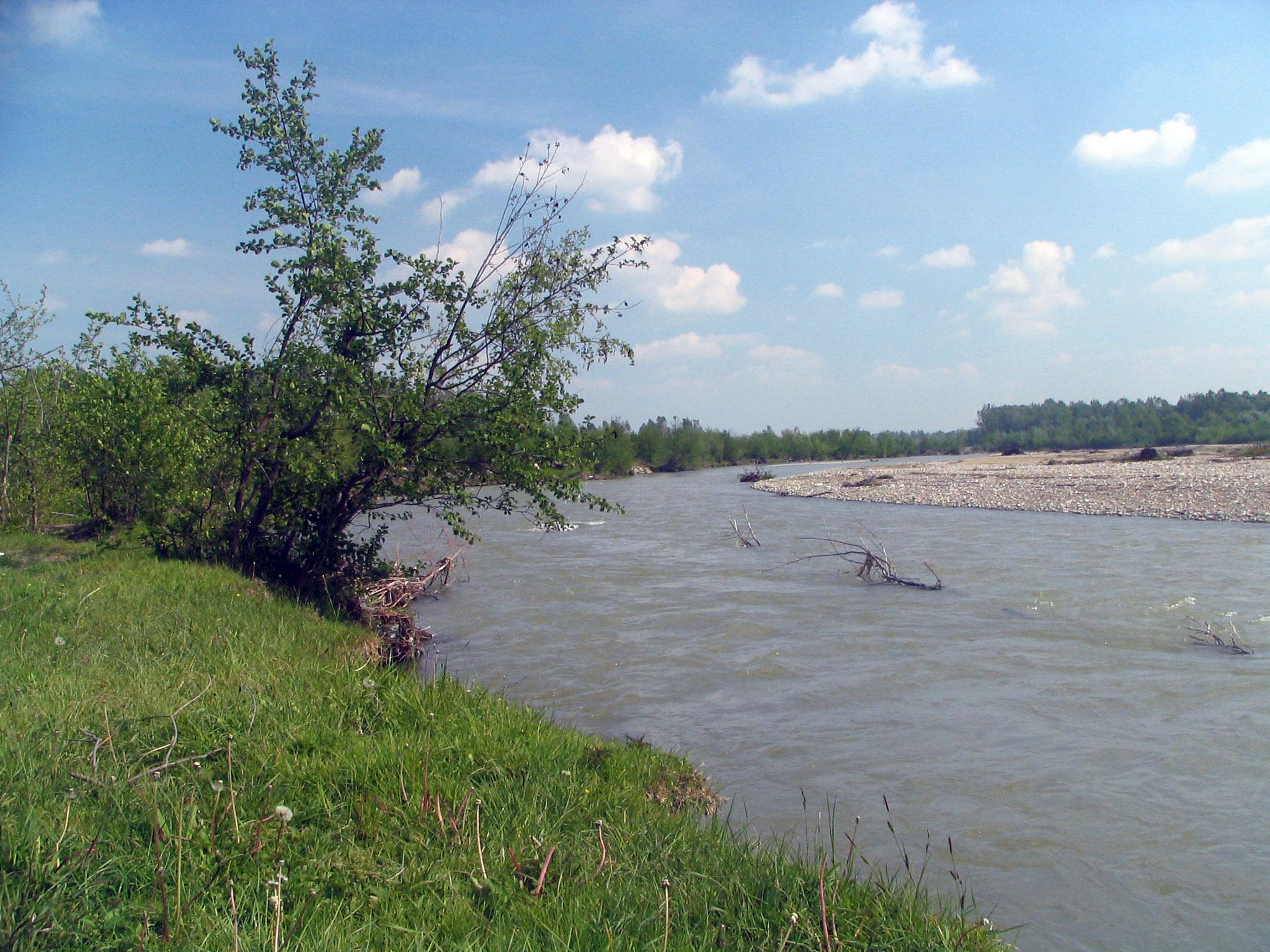 दाम्बोवीता नदी