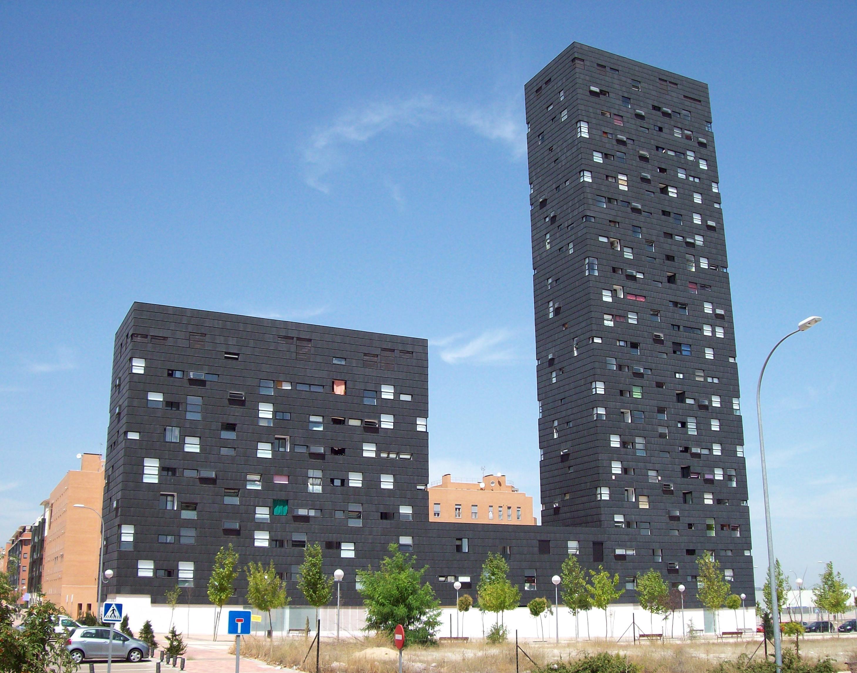 File edificio vallecas 20 madrid wikimedia commons - Ensanche de vallecas ...