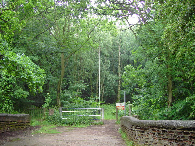 Entrance to Hopwas Hays wood - geograph.org.uk - 834320