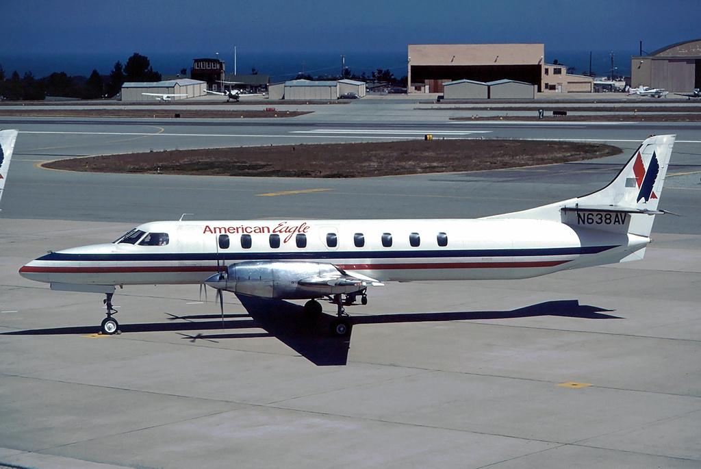 File:Fairchild SA-227AC Metro III, American Eagle (Wings ...