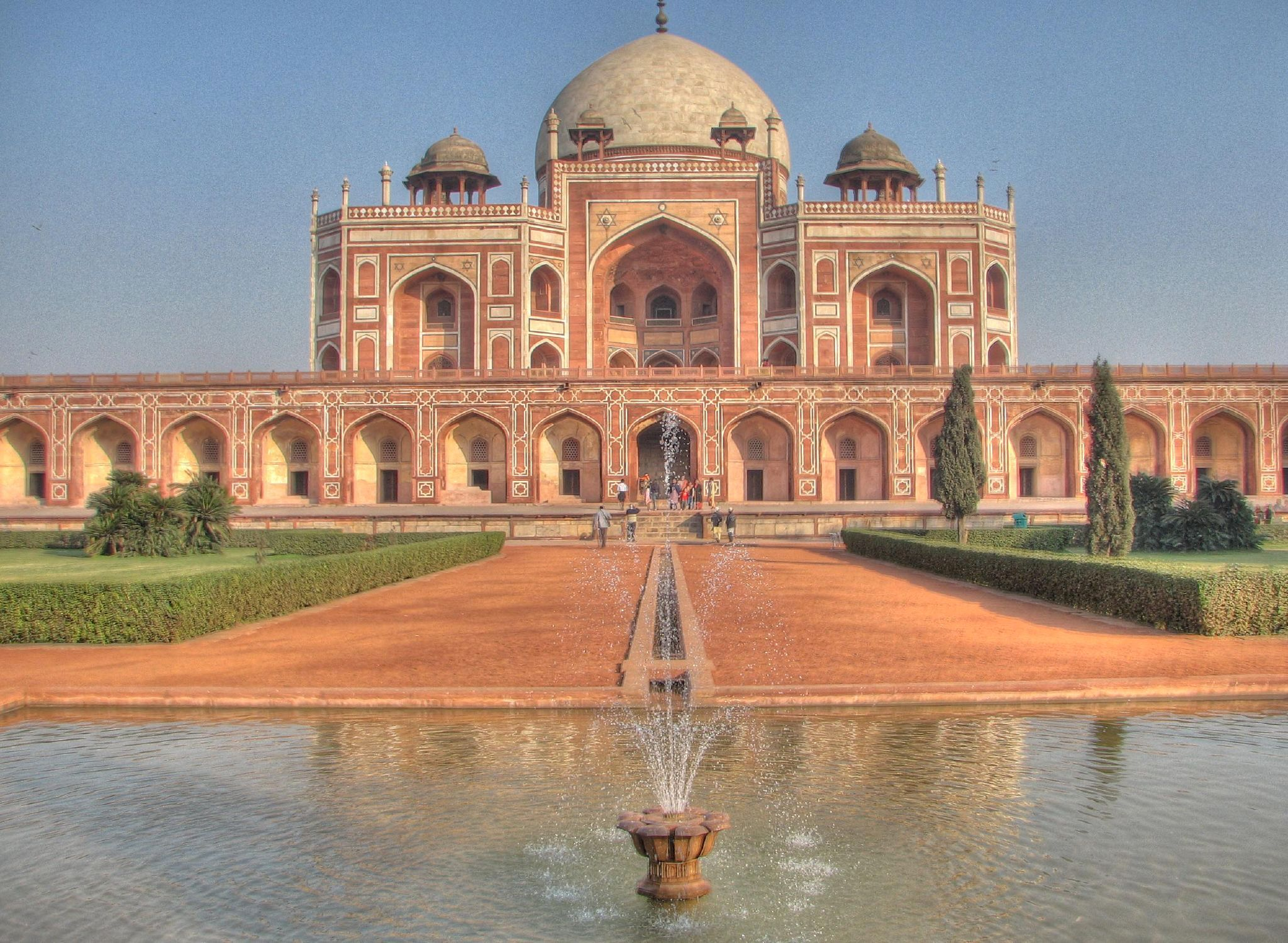 Top 5 Places To Visit In Delhi