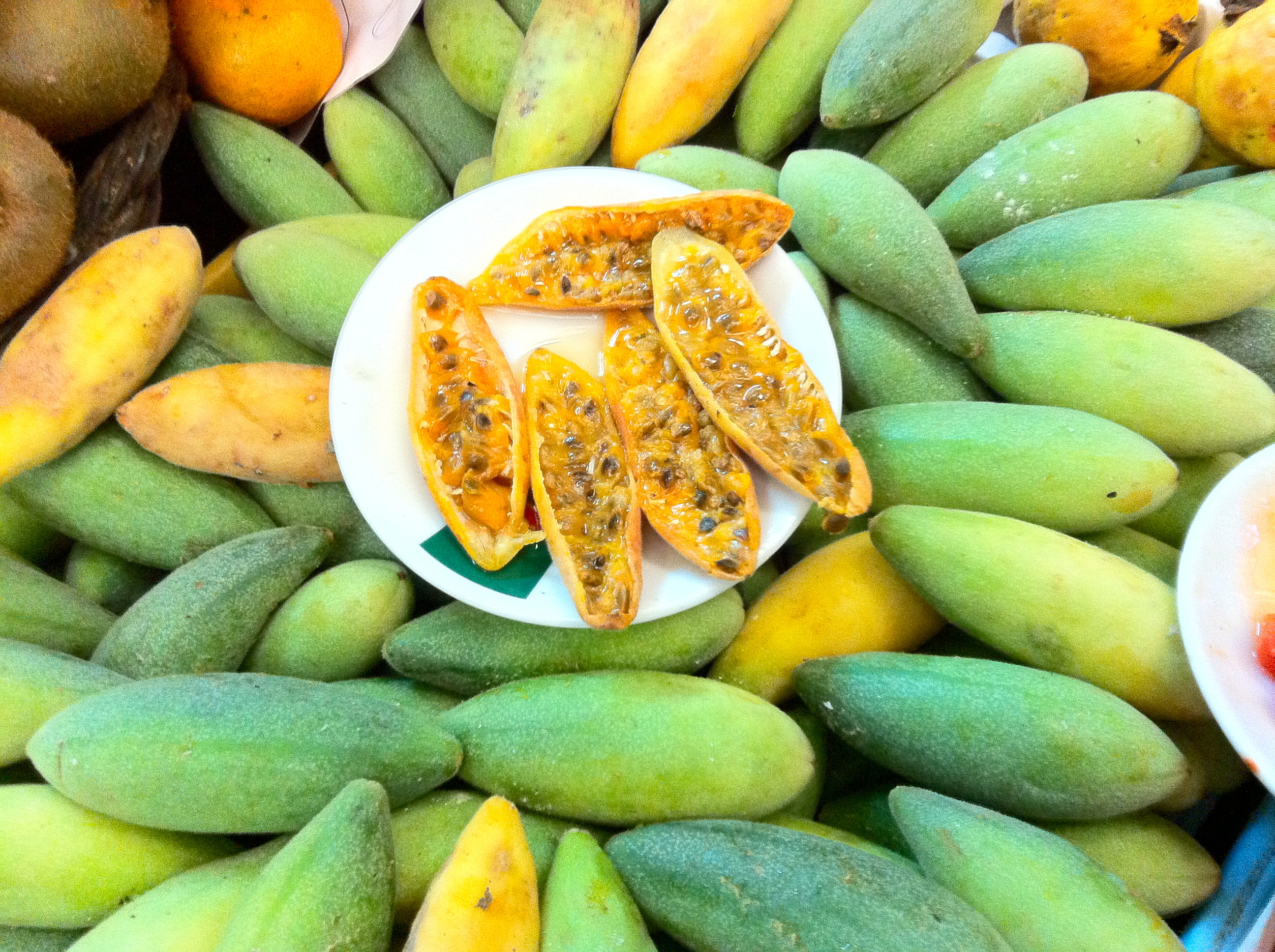 10 most exotic fruits of Colombia, like the maracuya