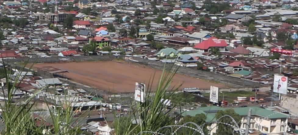 File Goma Province Du Nord Kivu Rd Congo Le Stade De L Unite Depuis Les Hauteurs Du Mont Goma 24243783210 Cropped Jpg Wikimedia Commons