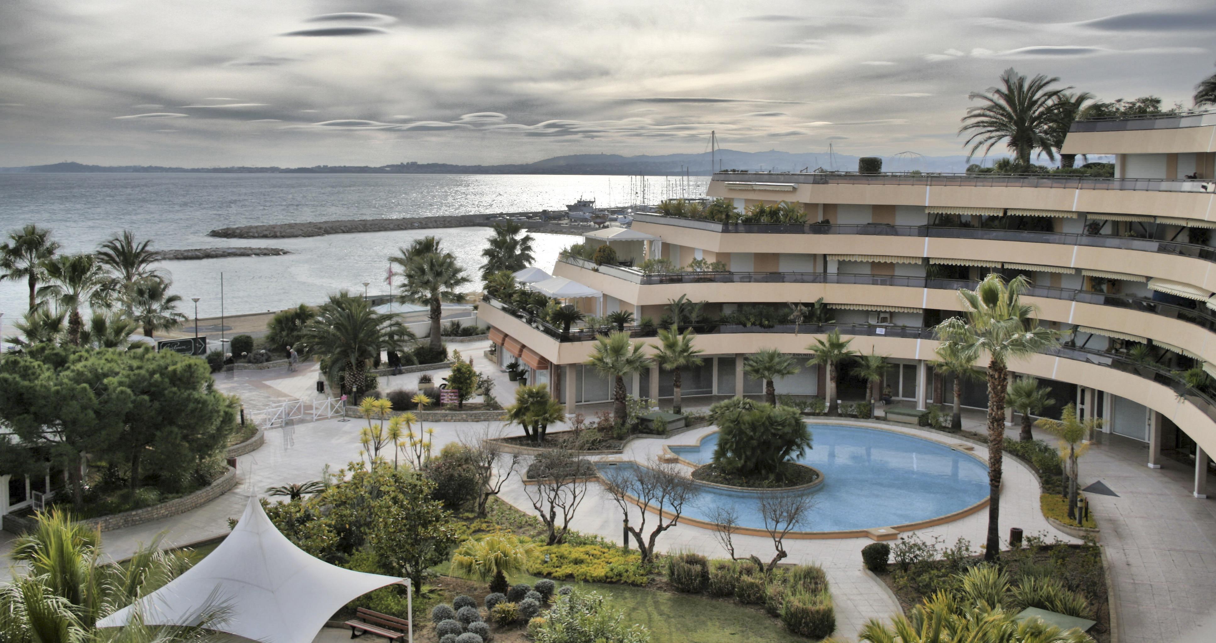 Holiday Inn Resort Treasure Island