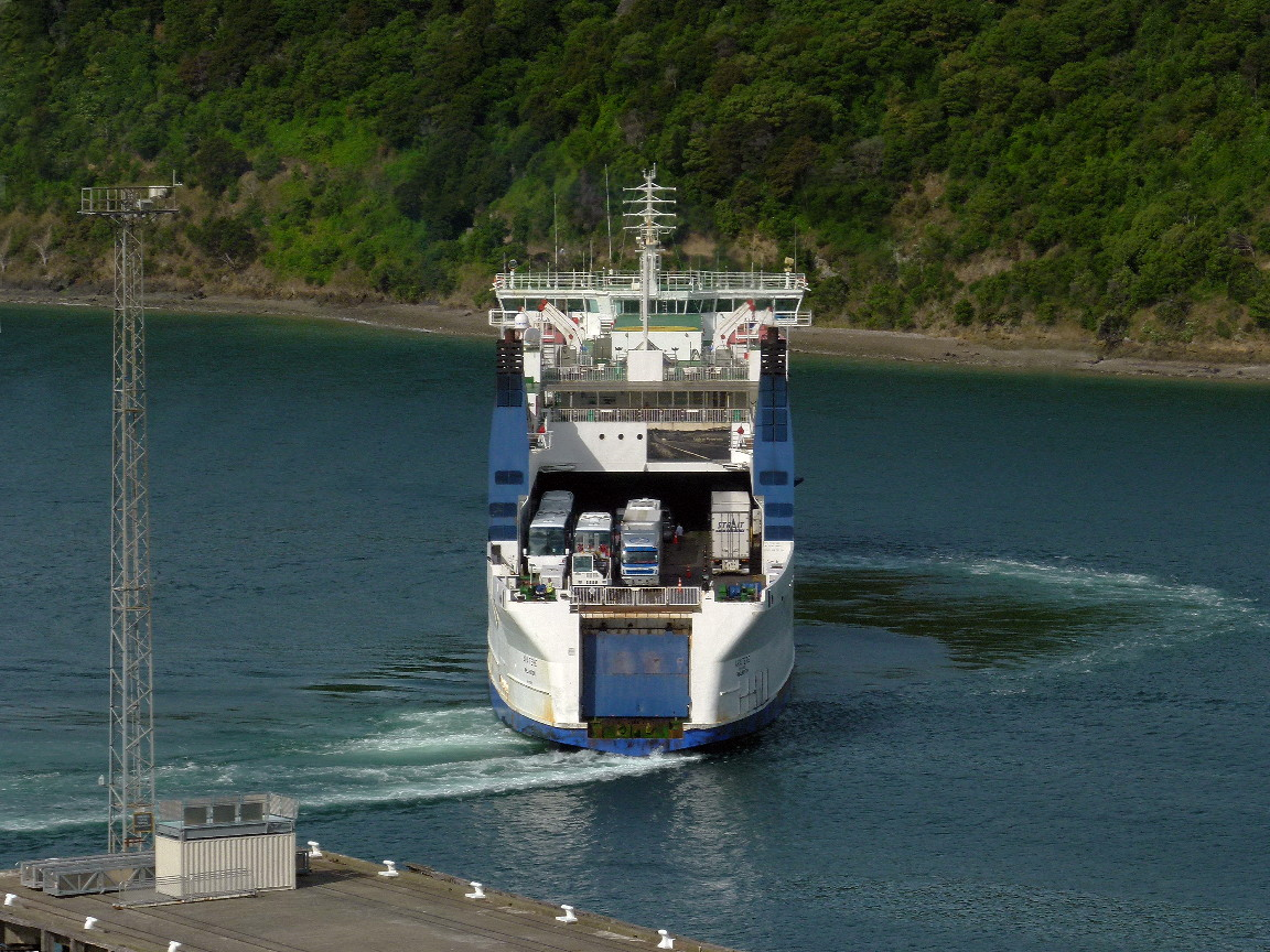 File Interislander Ferry Aratere Docking At Picton New