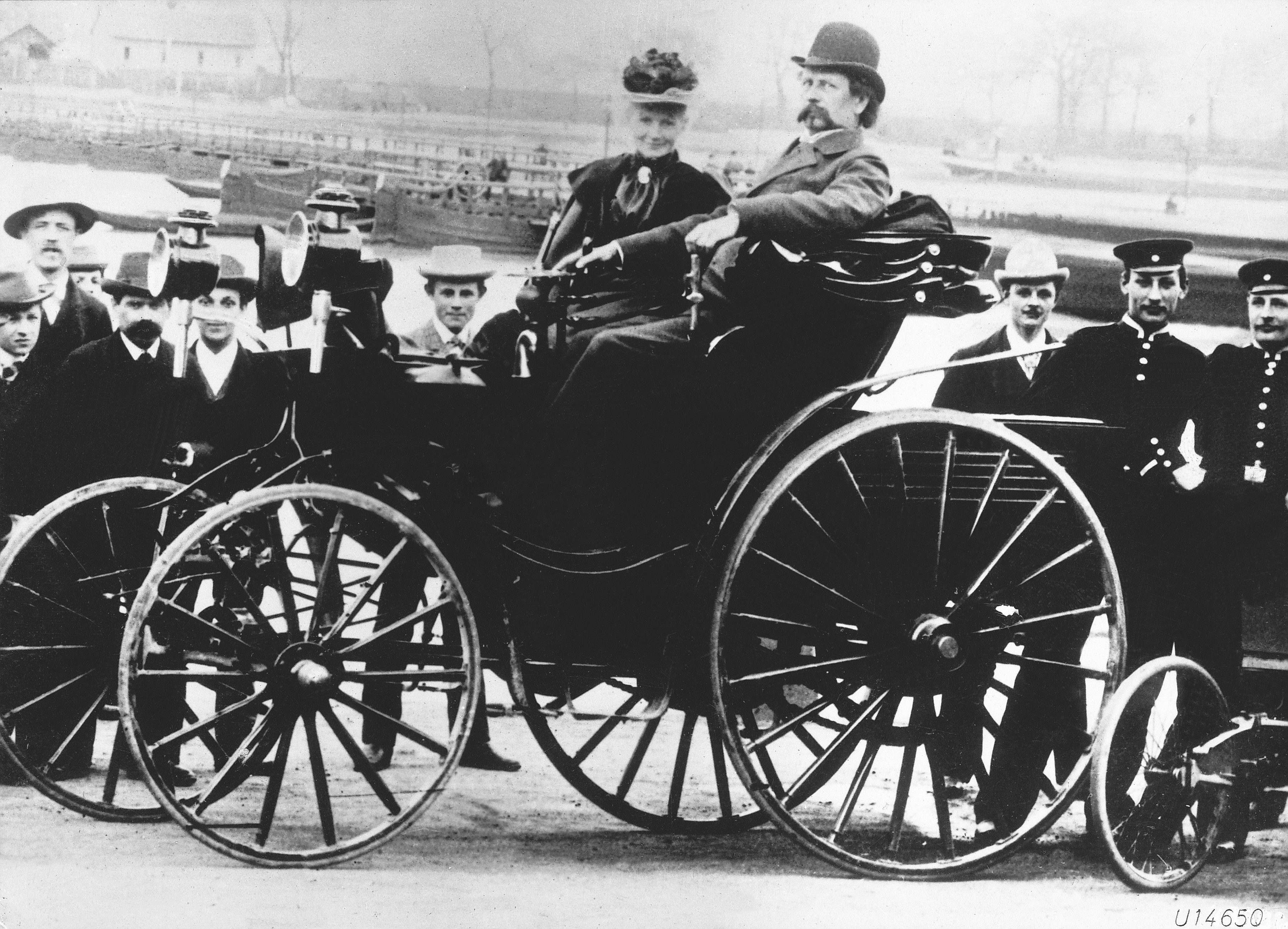 Karl and Bertha Benz in a Benz Victoria, 1894