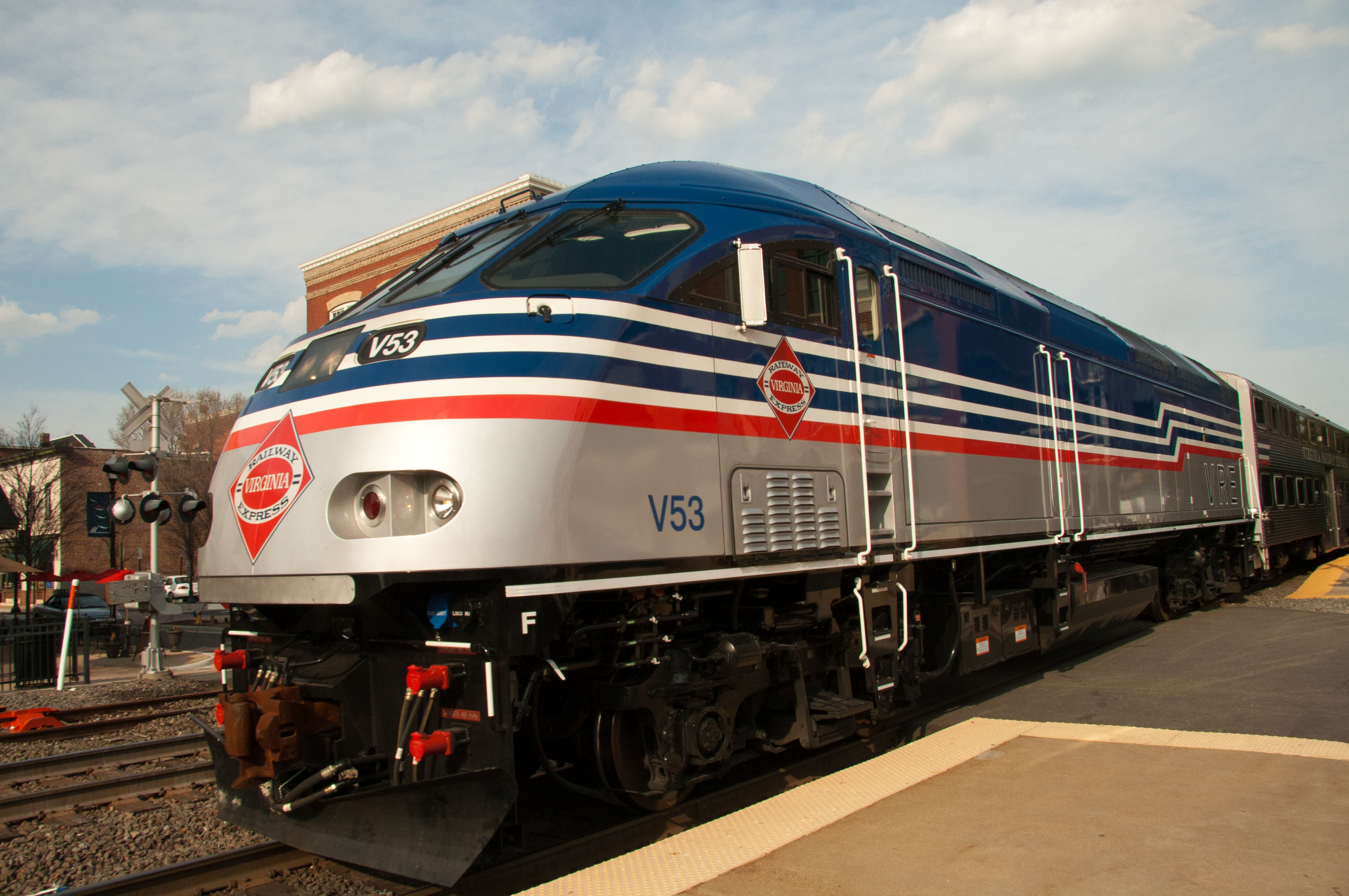 The Commuter >> File:MP36PH-3C on the VRE.jpg - Wikimedia Commons