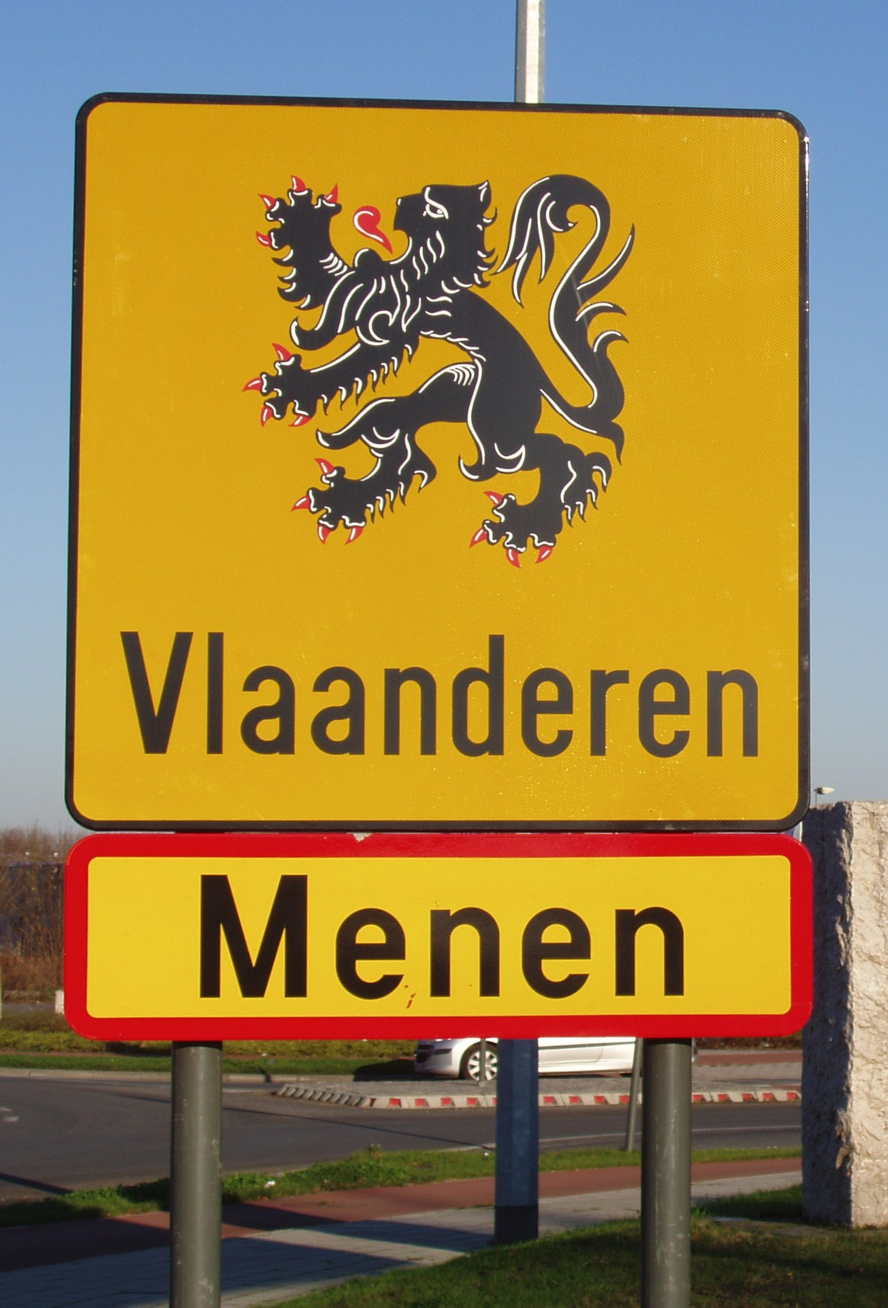 Menen - Border crossing 1 cropped.jpg