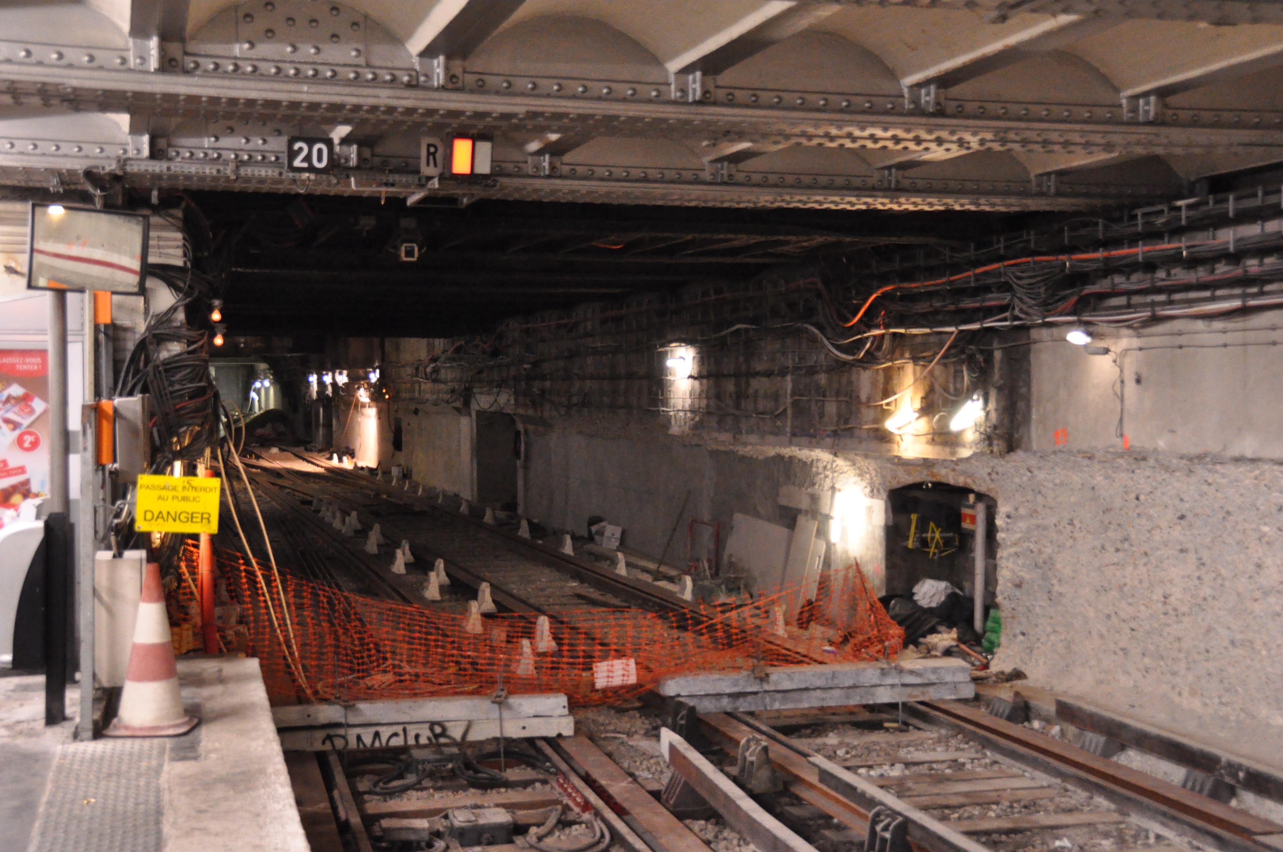 File metro de paris ligne 4 porte d 39 orl ans travaux - Supermarche porte d orleans ...