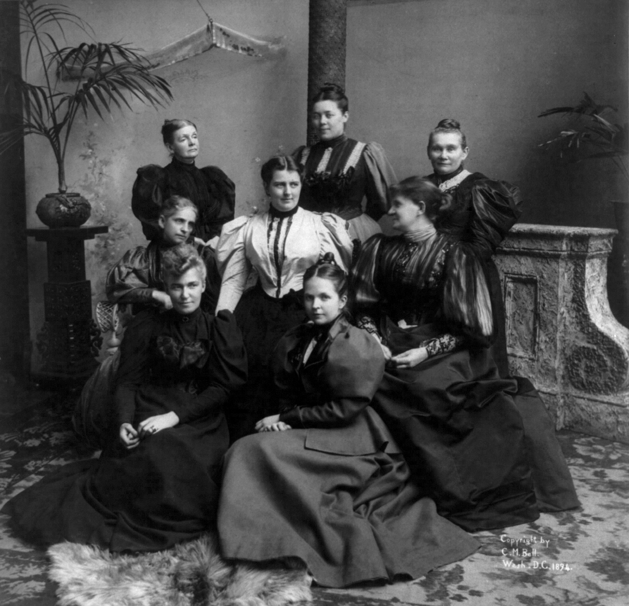 File:Mrs. Cleveland and ladies of the cabinet cph.3b11182.jpg ...