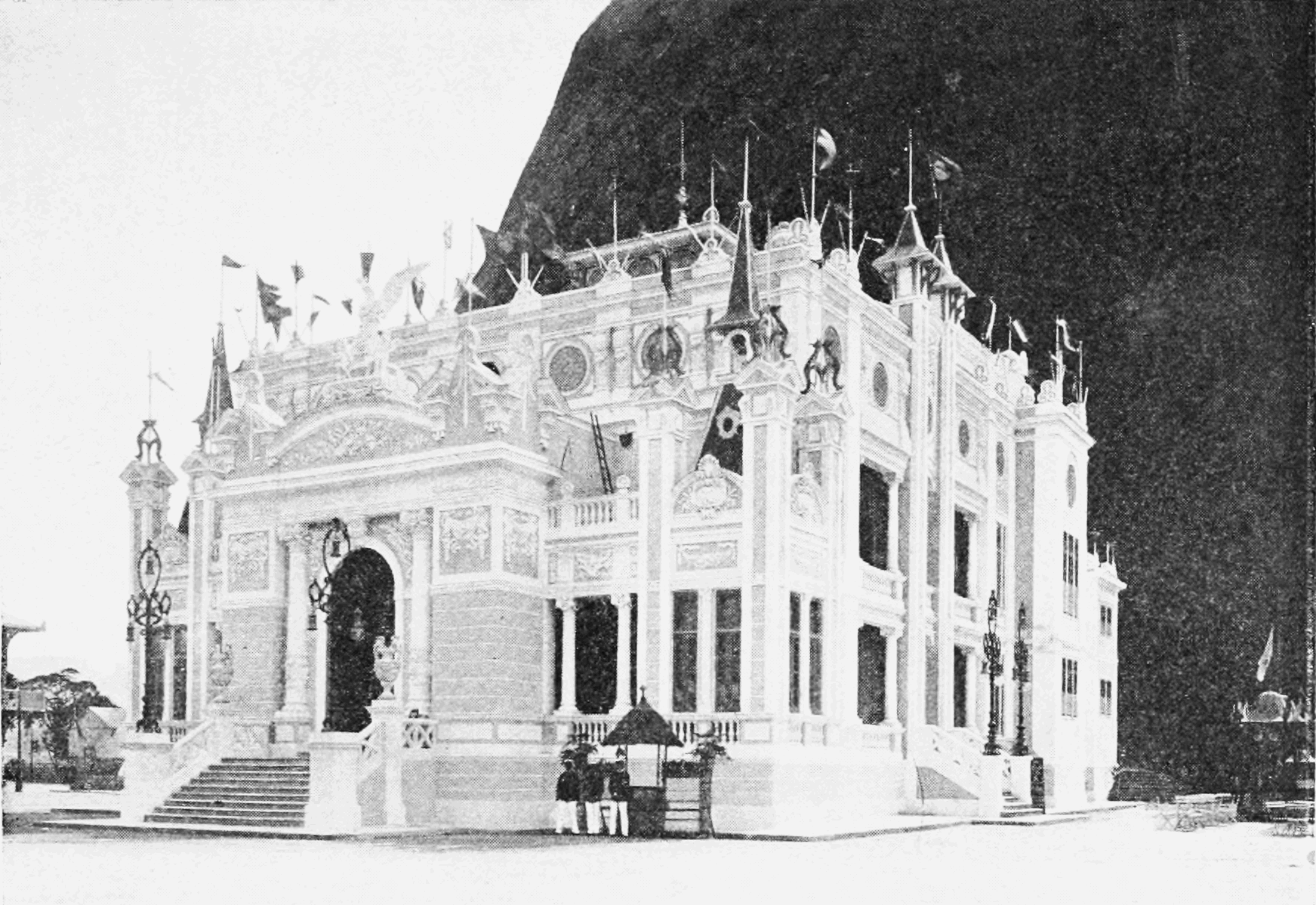 PSM V74 D111 The theater at the rio de janeiro exposition 1908.png
