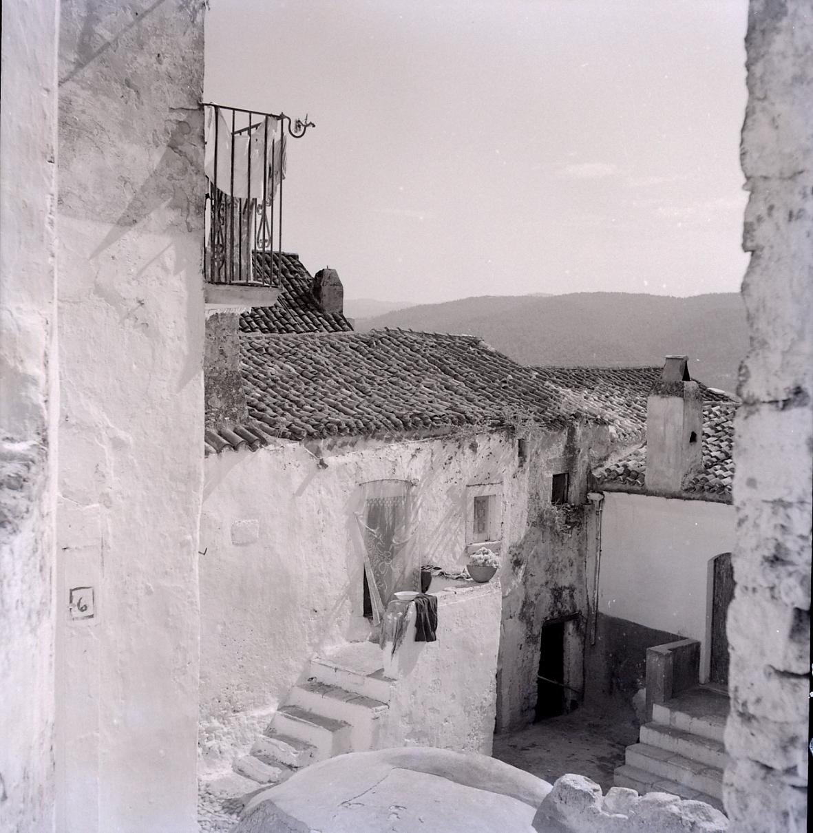 File paolo monti servizio fotografico italia 1959 for Materiale fotografico milano