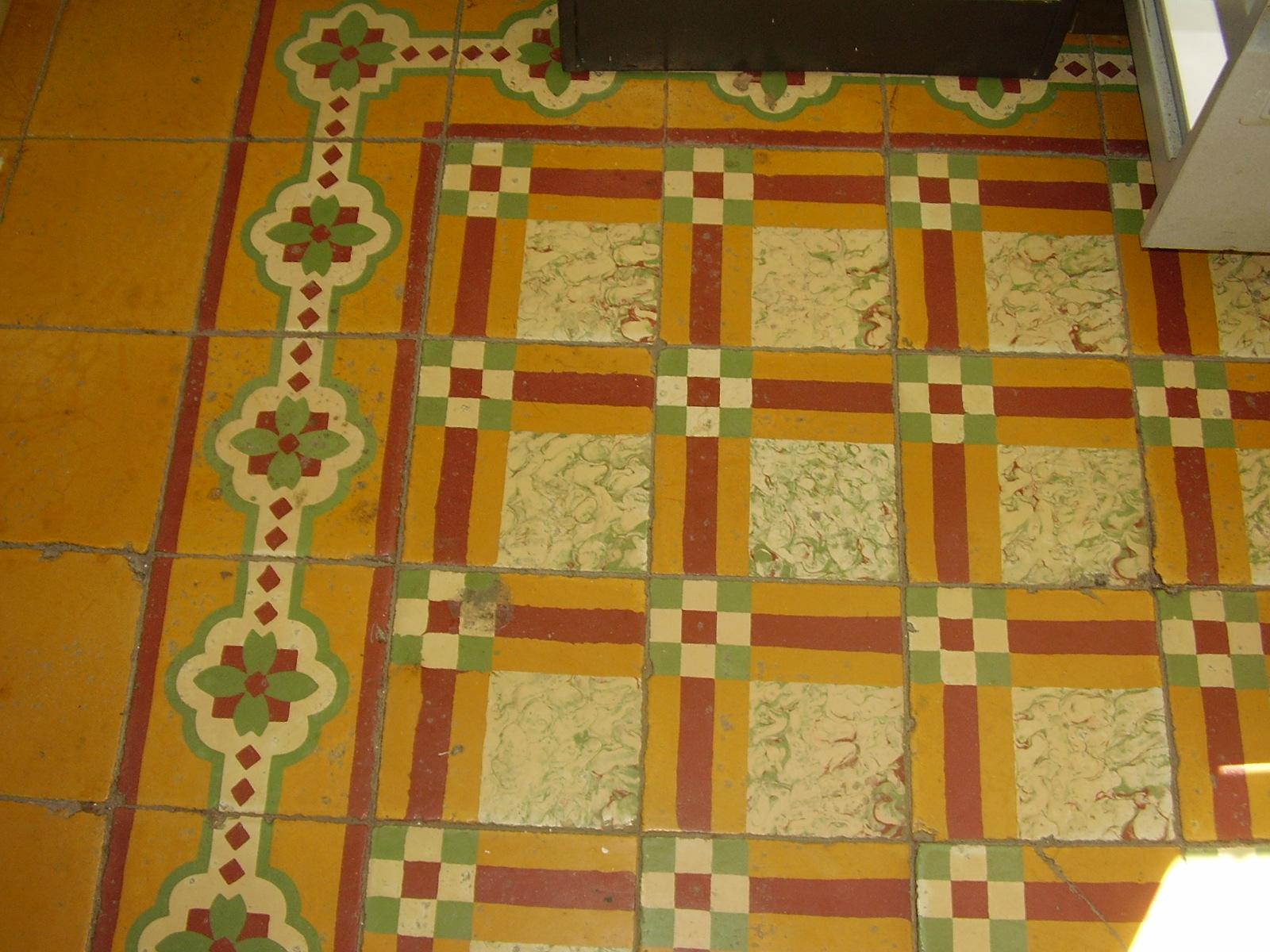 file piso en baldosa decorada de cemento kra 12 el
