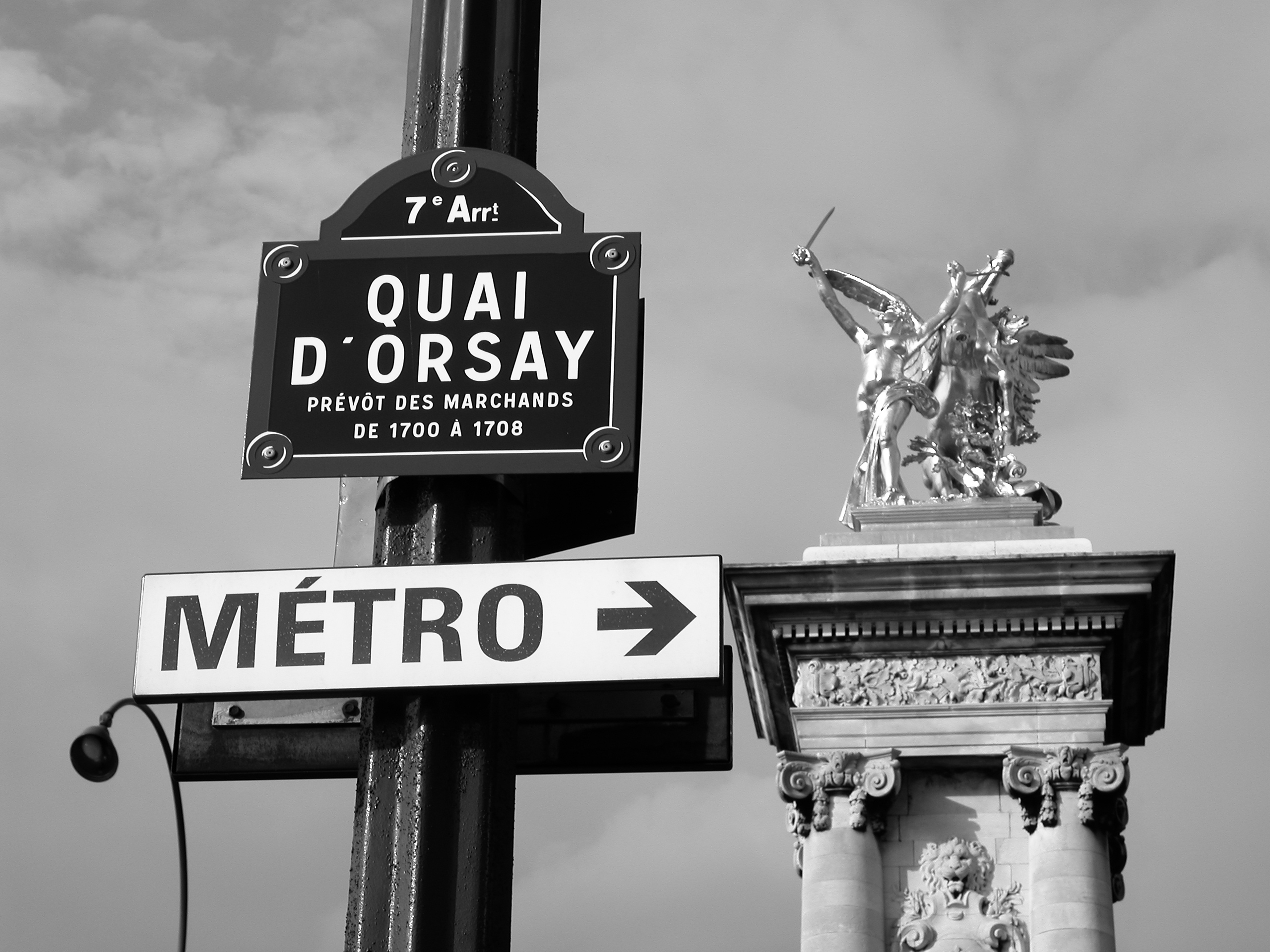 http://upload.wikimedia.org/wikipedia/commons/1/13/Quai_D%27Orsay_Paris.JPG