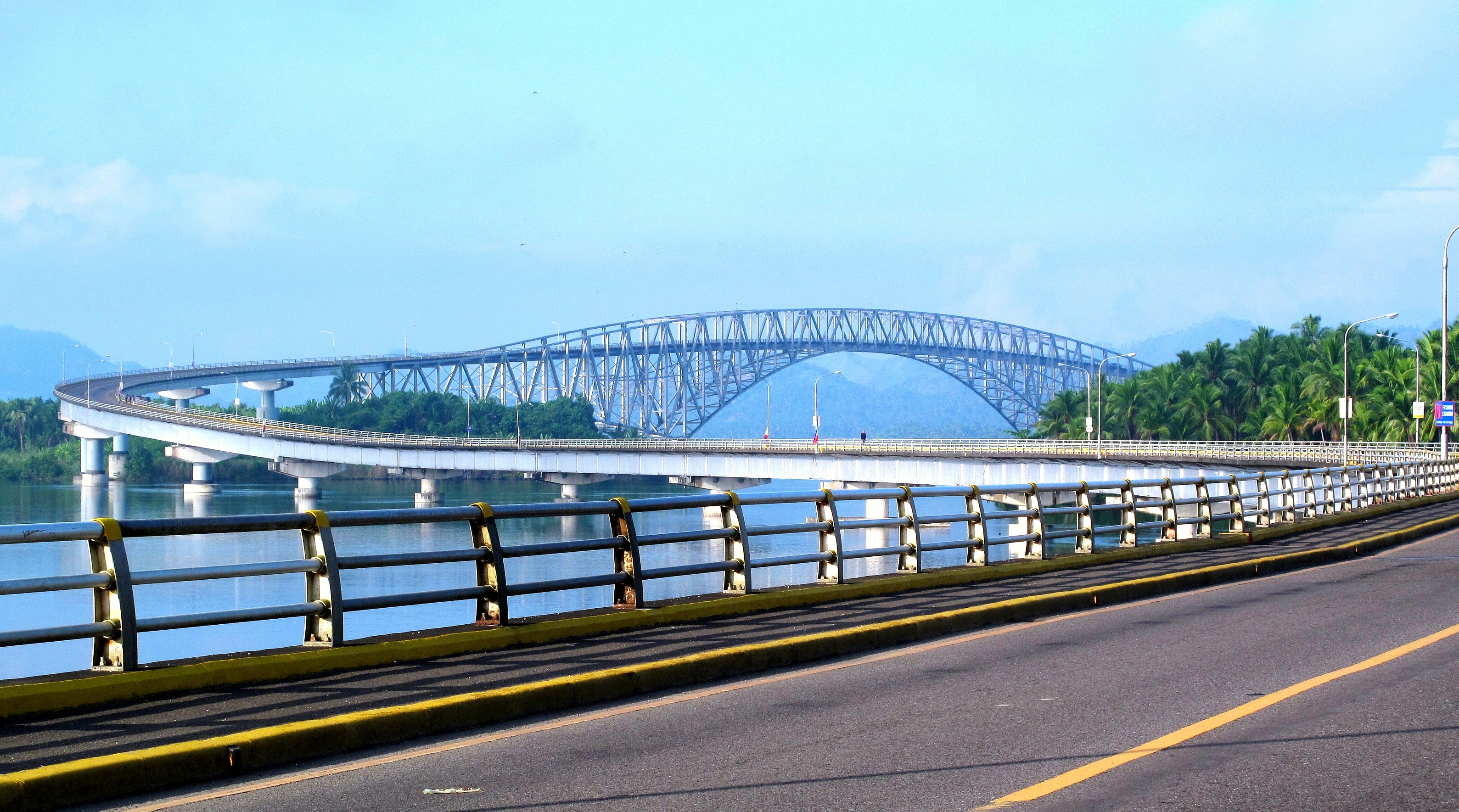 San Juanico Bridge http://commons.wikimedia.org/wiki/File:San_Juanico_Bridge_2.JPG