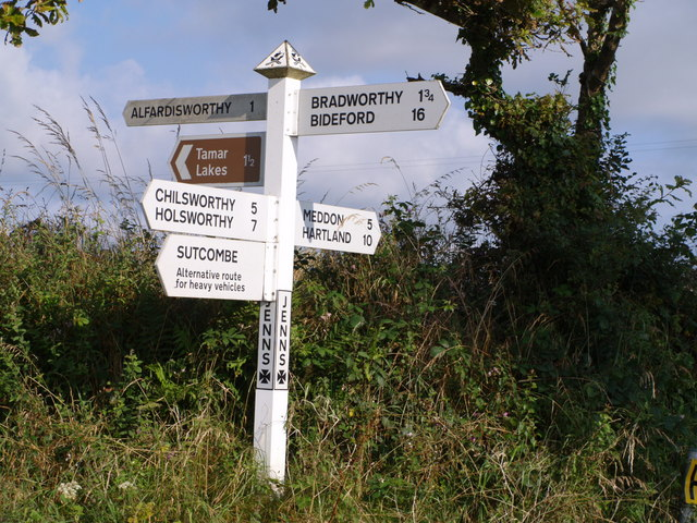 File:Signpost at Jenn Cross - geograph.org.uk - 509327.jpg