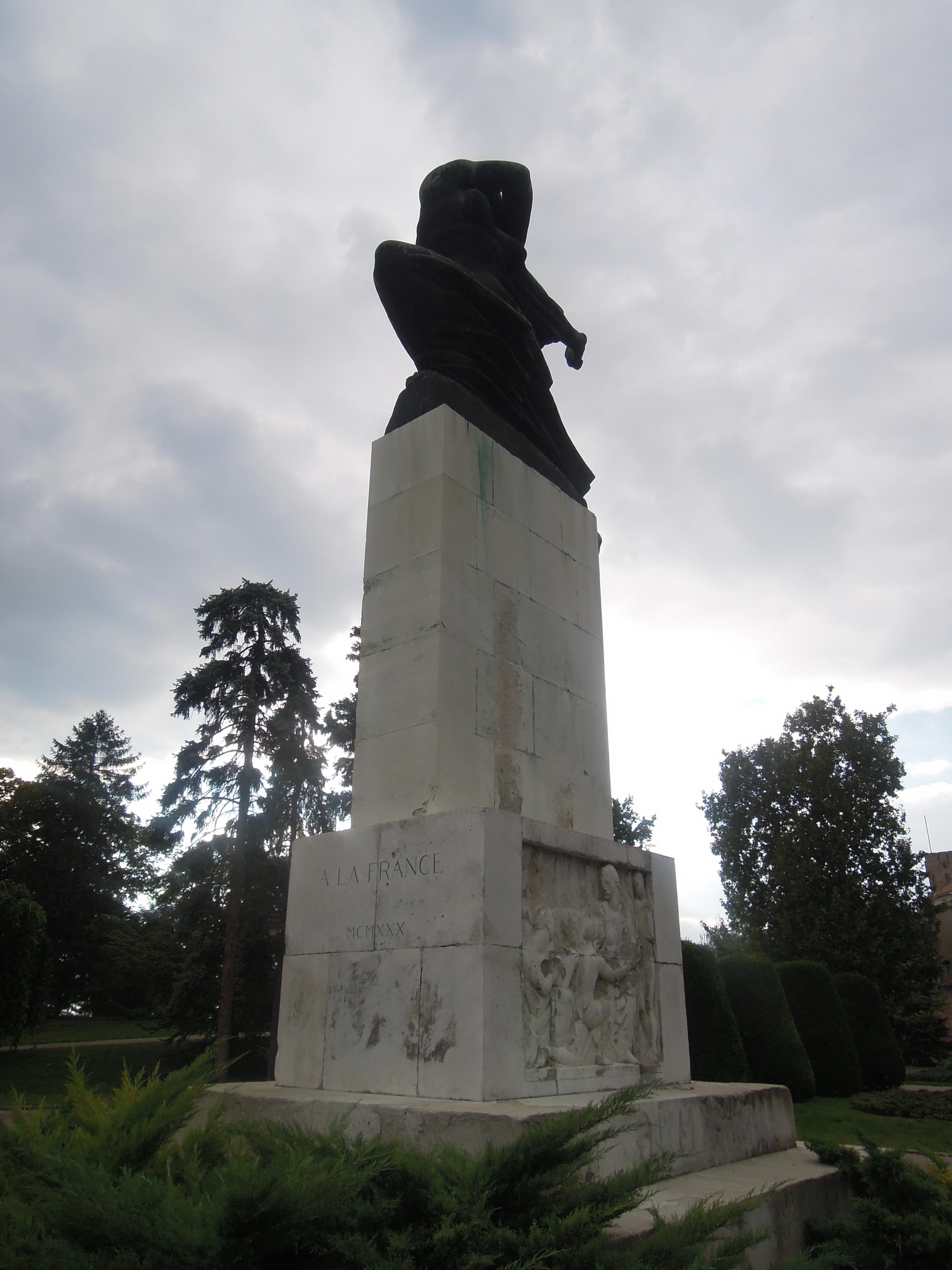 File Spomenik Zahvalnosti Francuskoj 0010 Jpg Wikimedia Commons