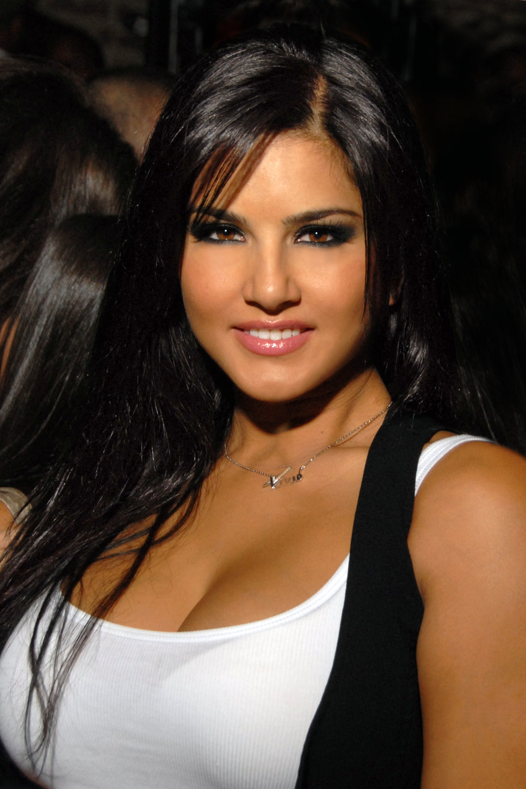 Description Sunny Leone 2009.jpg