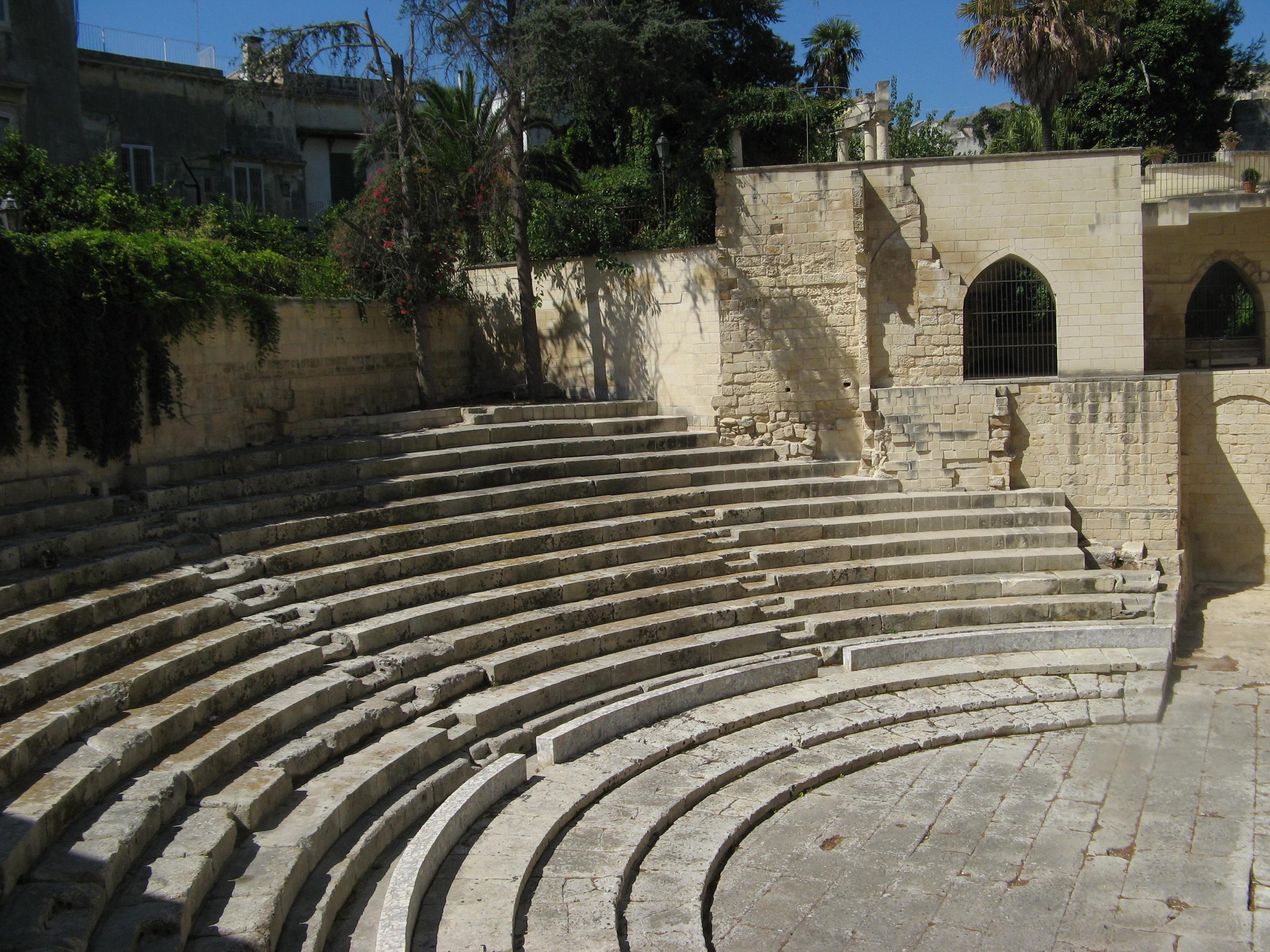 File:Teatro Romano Lecce.jpg - Wikimedia Commons