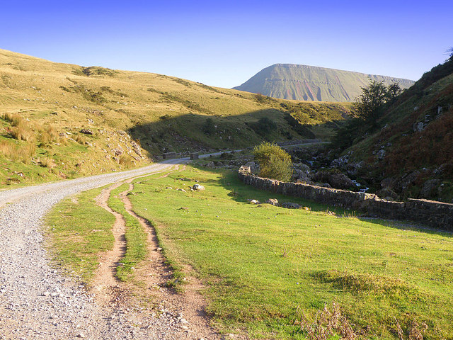 The footpath to Llyn y Fan Fach - geograph.org.uk - 982648