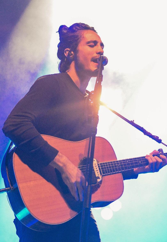 Tiago durante sua turnê Troco Likes em junho de 2017.