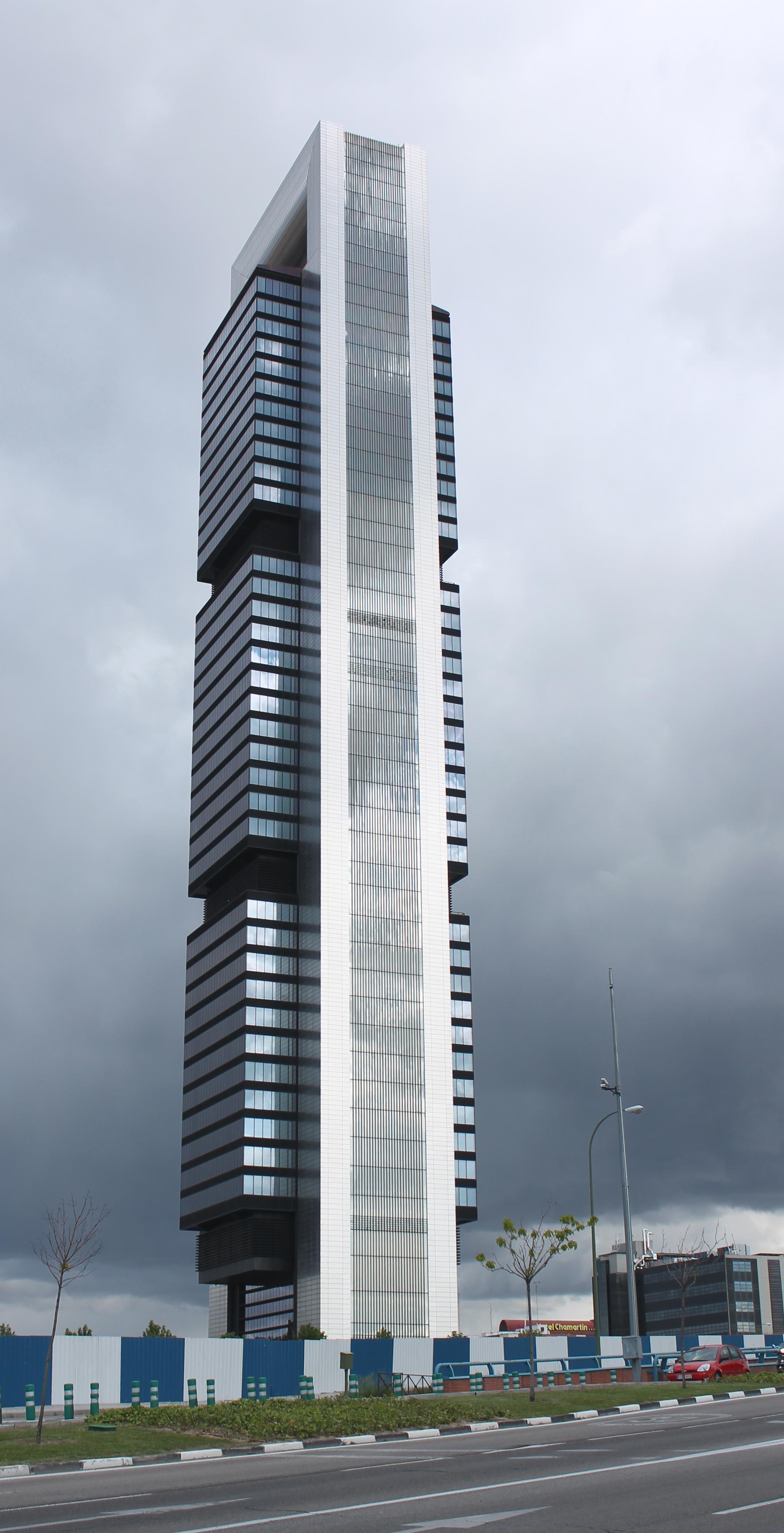 File torre caja madrid ctba wikimedia commons for Oficinas de caja rural en madrid
