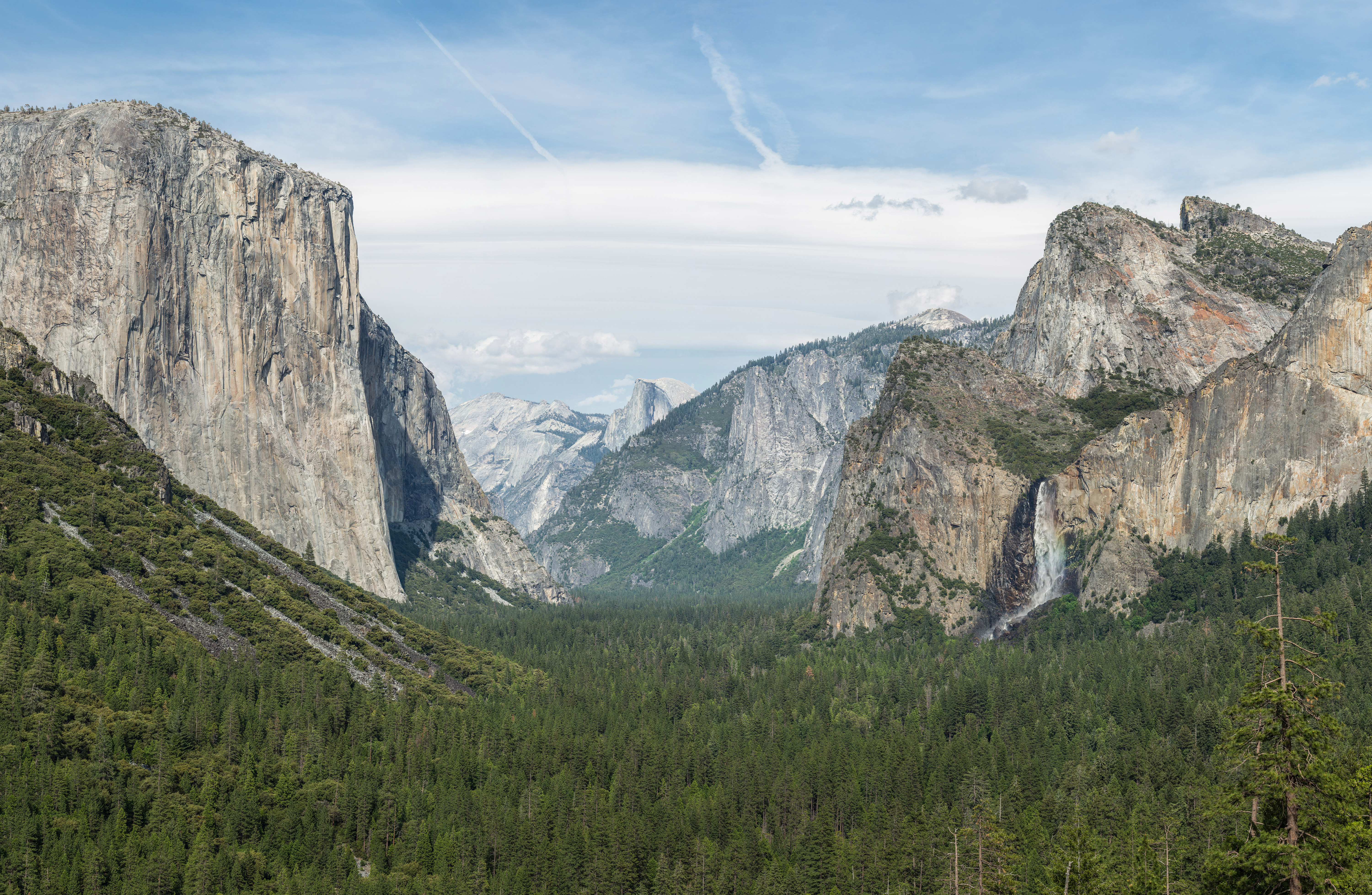 Tunnel View Of Foggy Yosemite Valley, Yosemite National Park ...