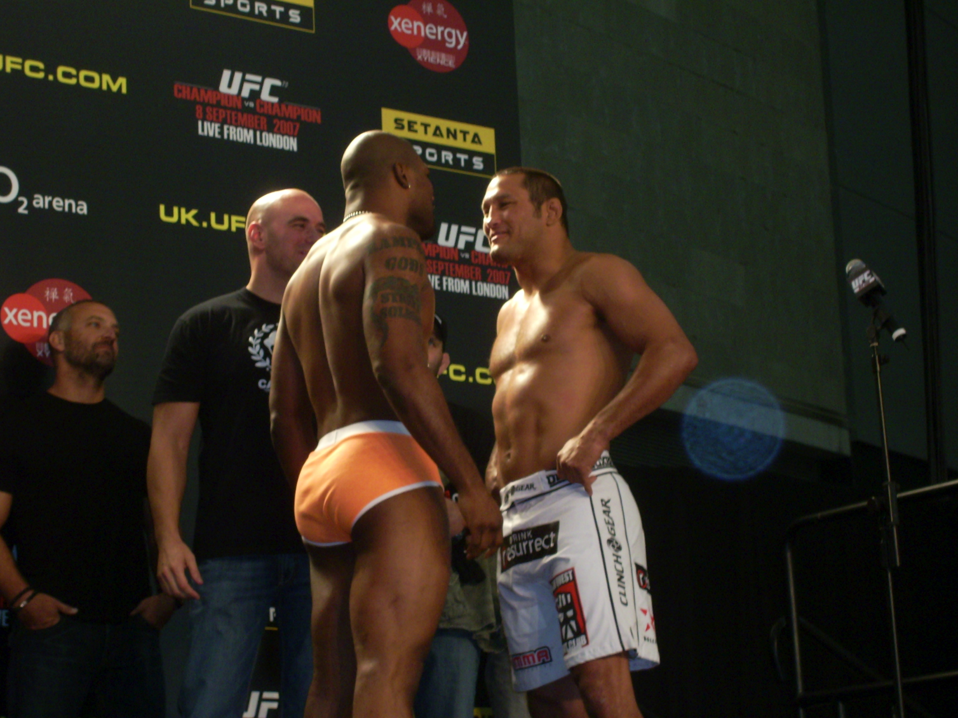 File:UFC 75 weigh-in Henderson vs Jackson face-off.jpg - Wikimedia Commons
