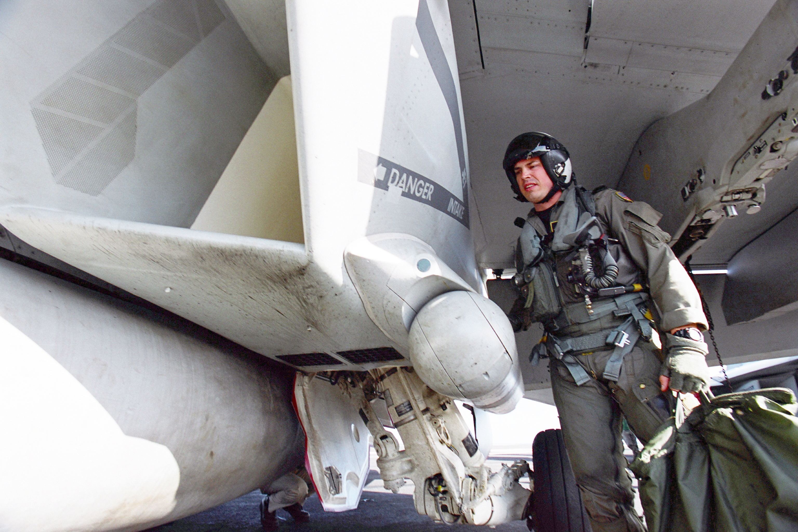 File Us Navy 030125 N 6817c 005 Pilot Inspects The Intake