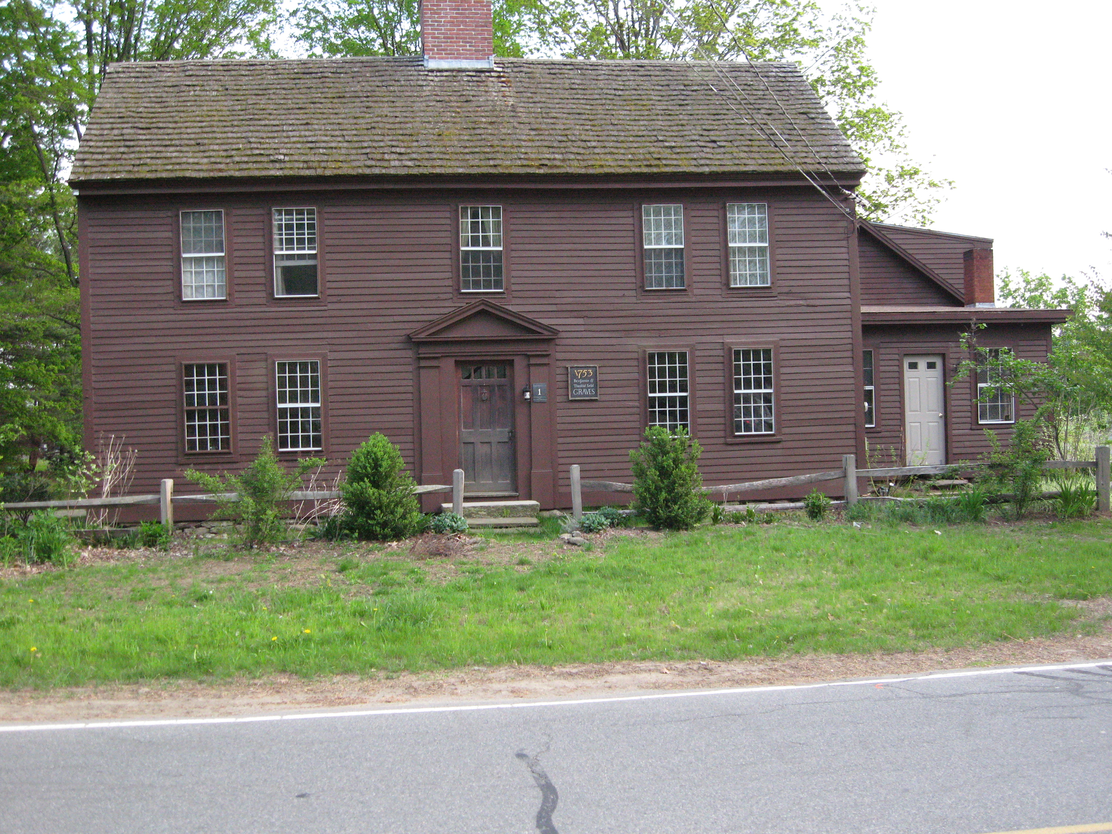 File very old house in sunderland ma jpg wikimedia commons for The classic house