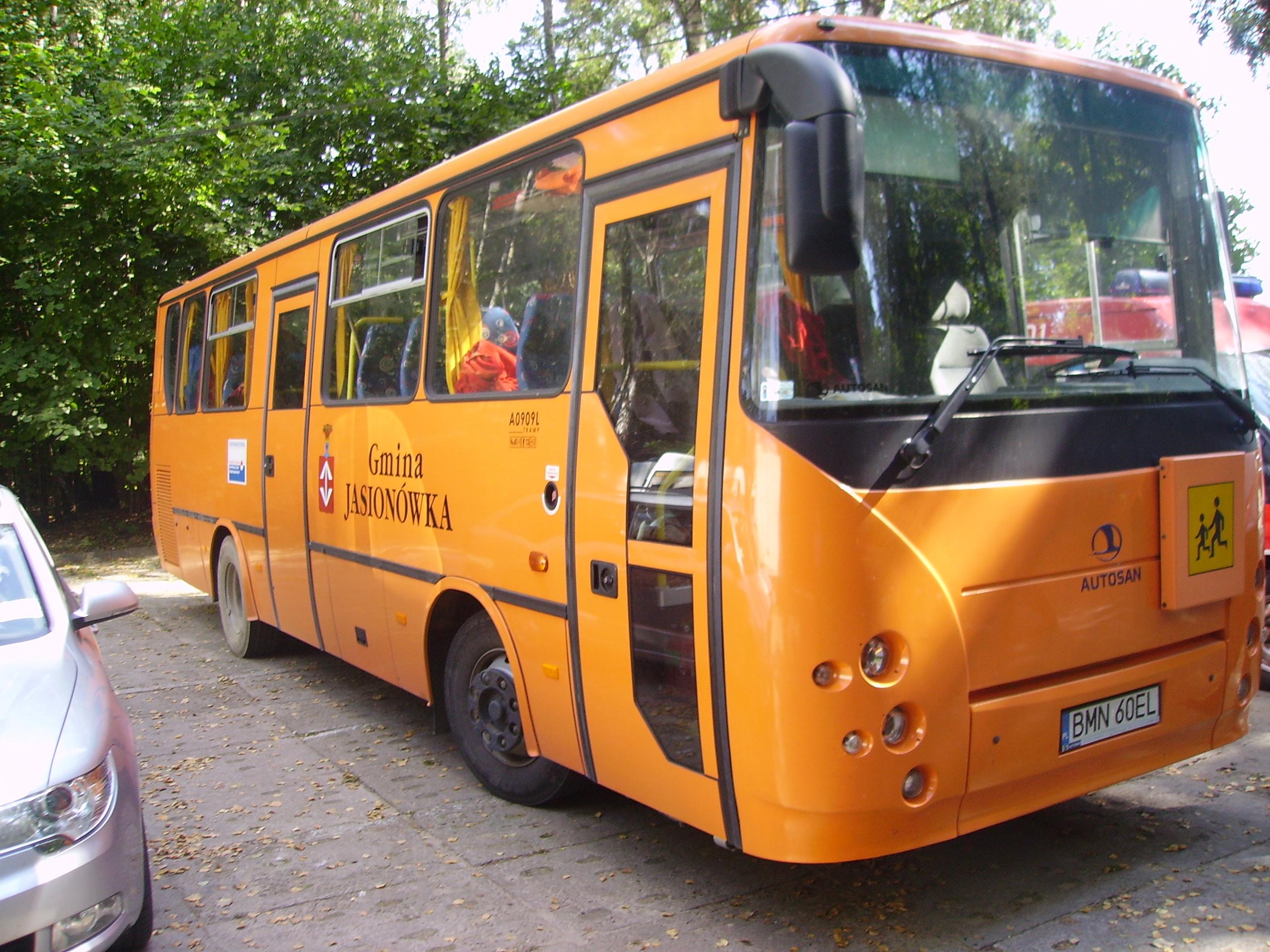 European Size Chart Conversion: School bus - Wikipedia,Chart