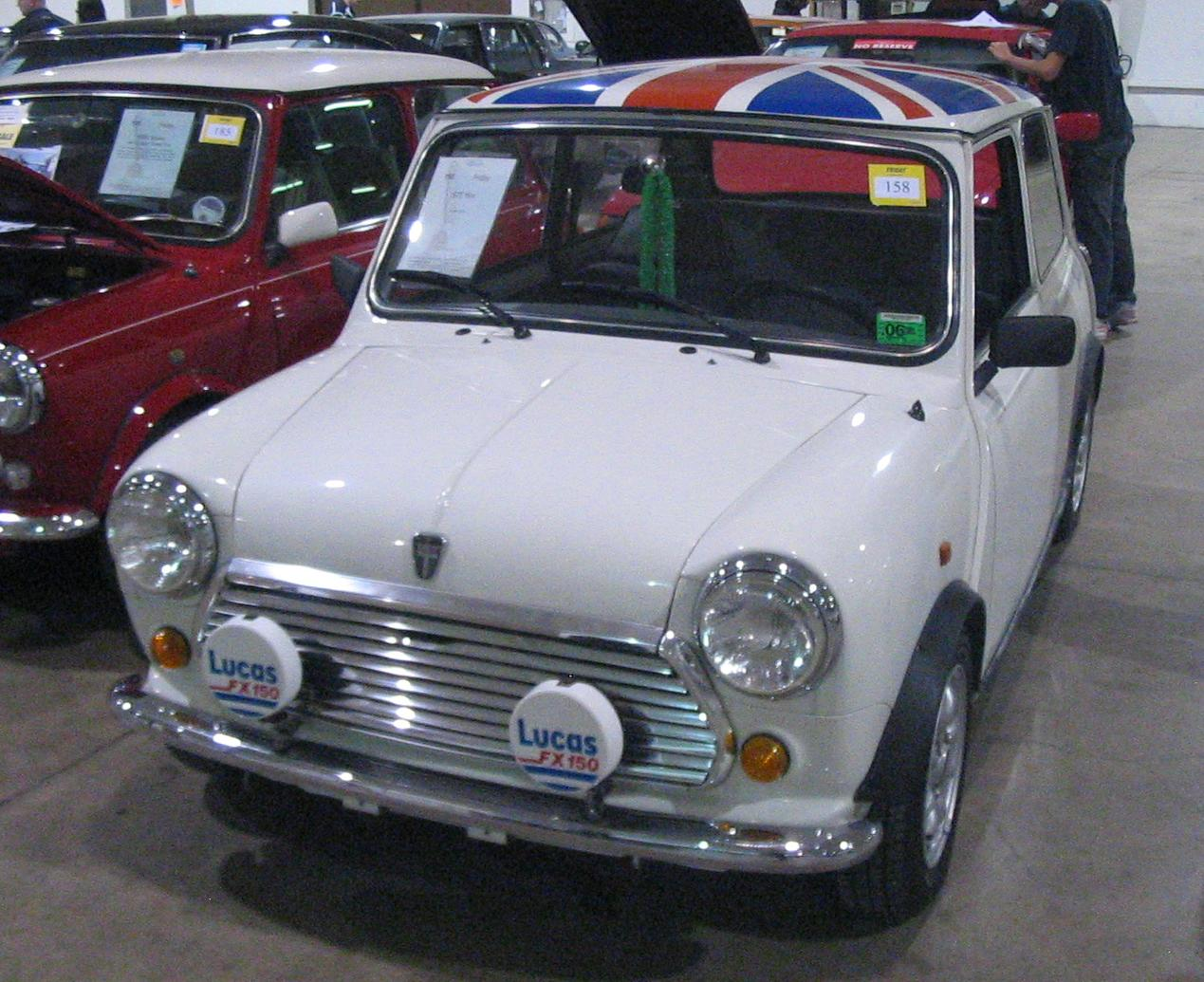 Exterior 38657682 also 2 together with File '75 Mini Cooper  Toronto Spring '12 Classic Car Auction furthermore Watch further Watch. on 2012 mini cooper navigation