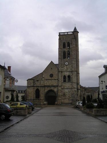 Église Sainte-Croix de Gannat (Allier).