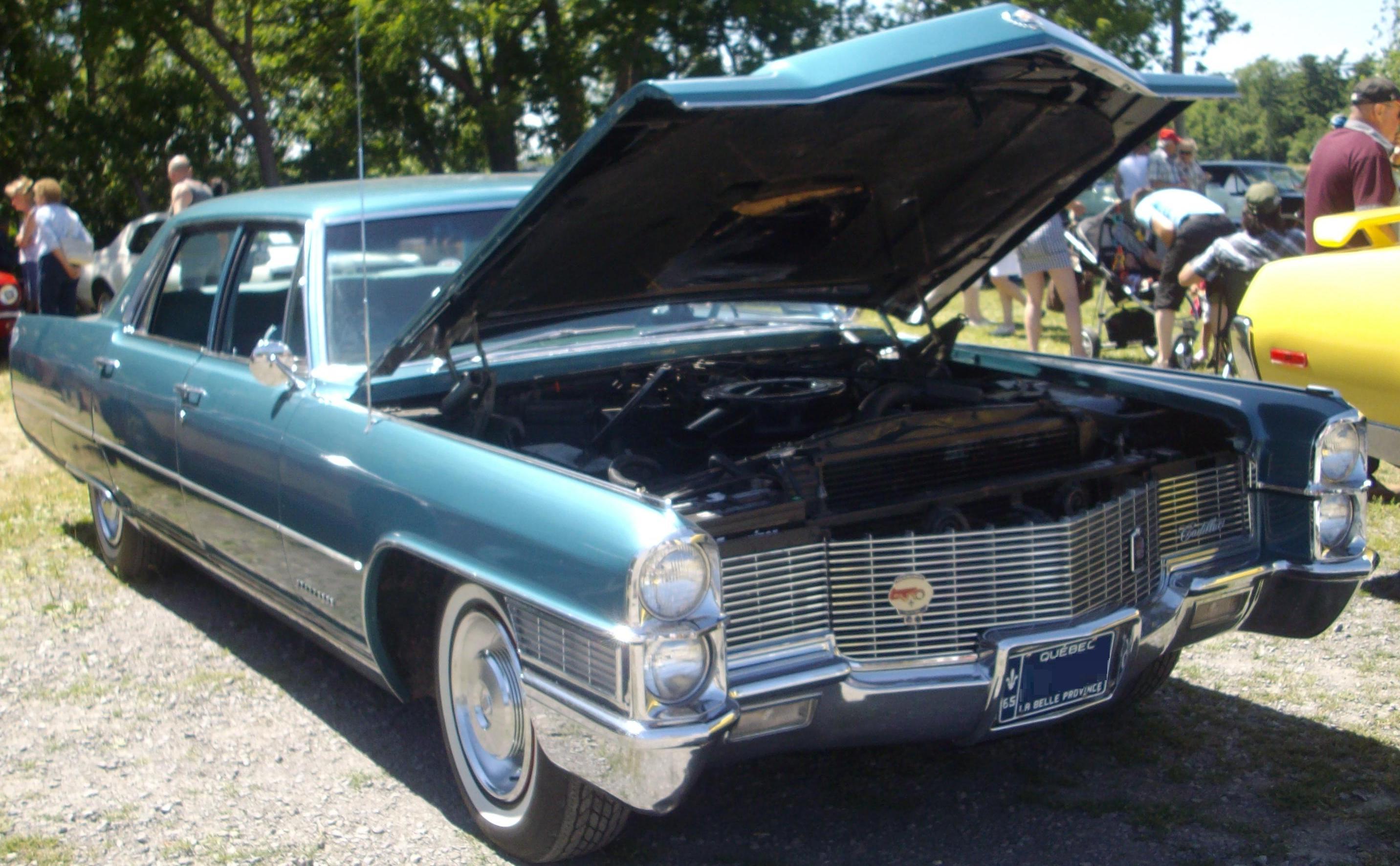 File:'65 Cadillac Fleetwood (Auto classique Laval '12).JPG ...