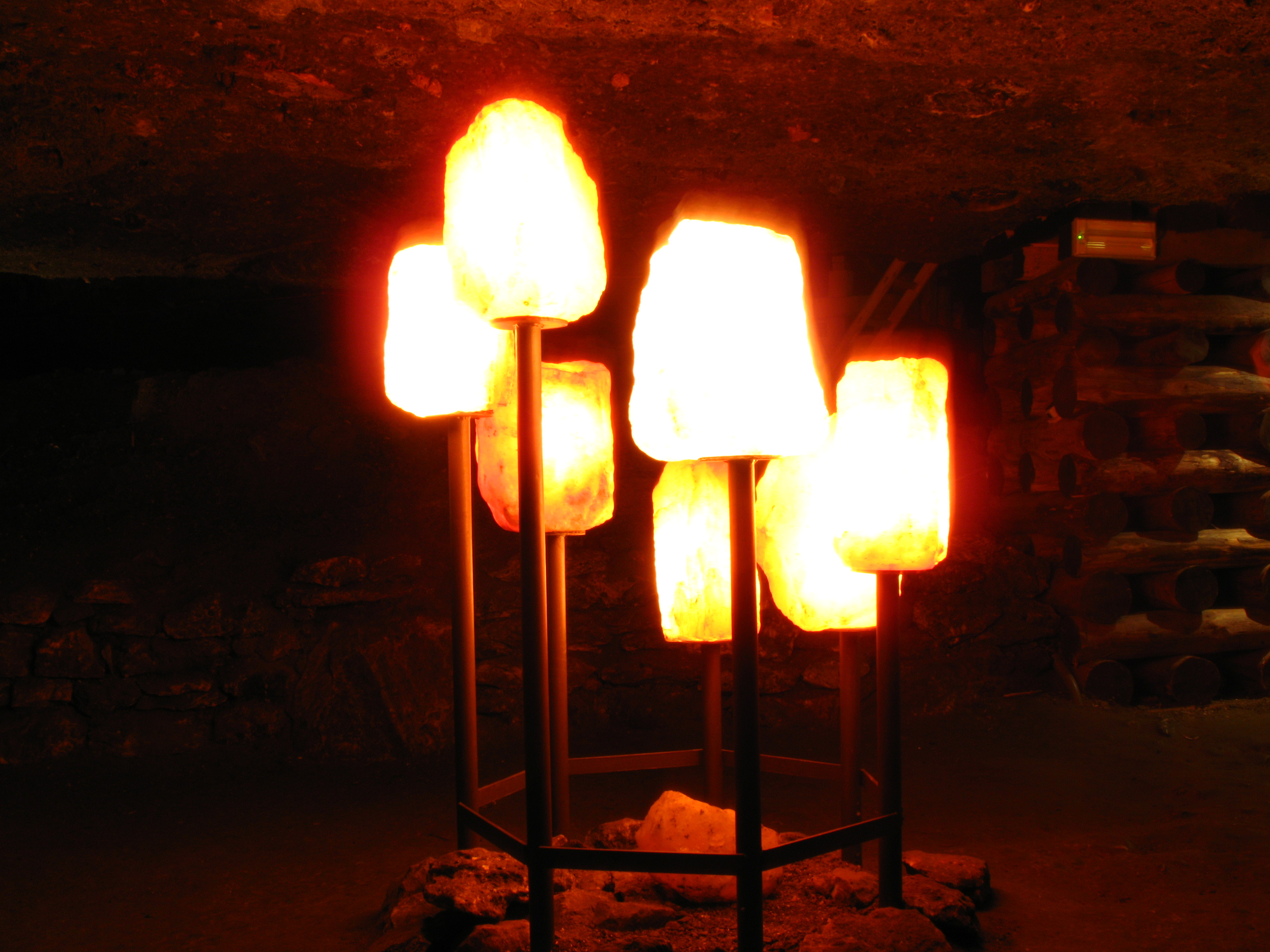 History Of Salt Lamps : File:1090 - Hallstatt - Salzbergwerk - Salt Lamps.JPG - Wikimedia Commons