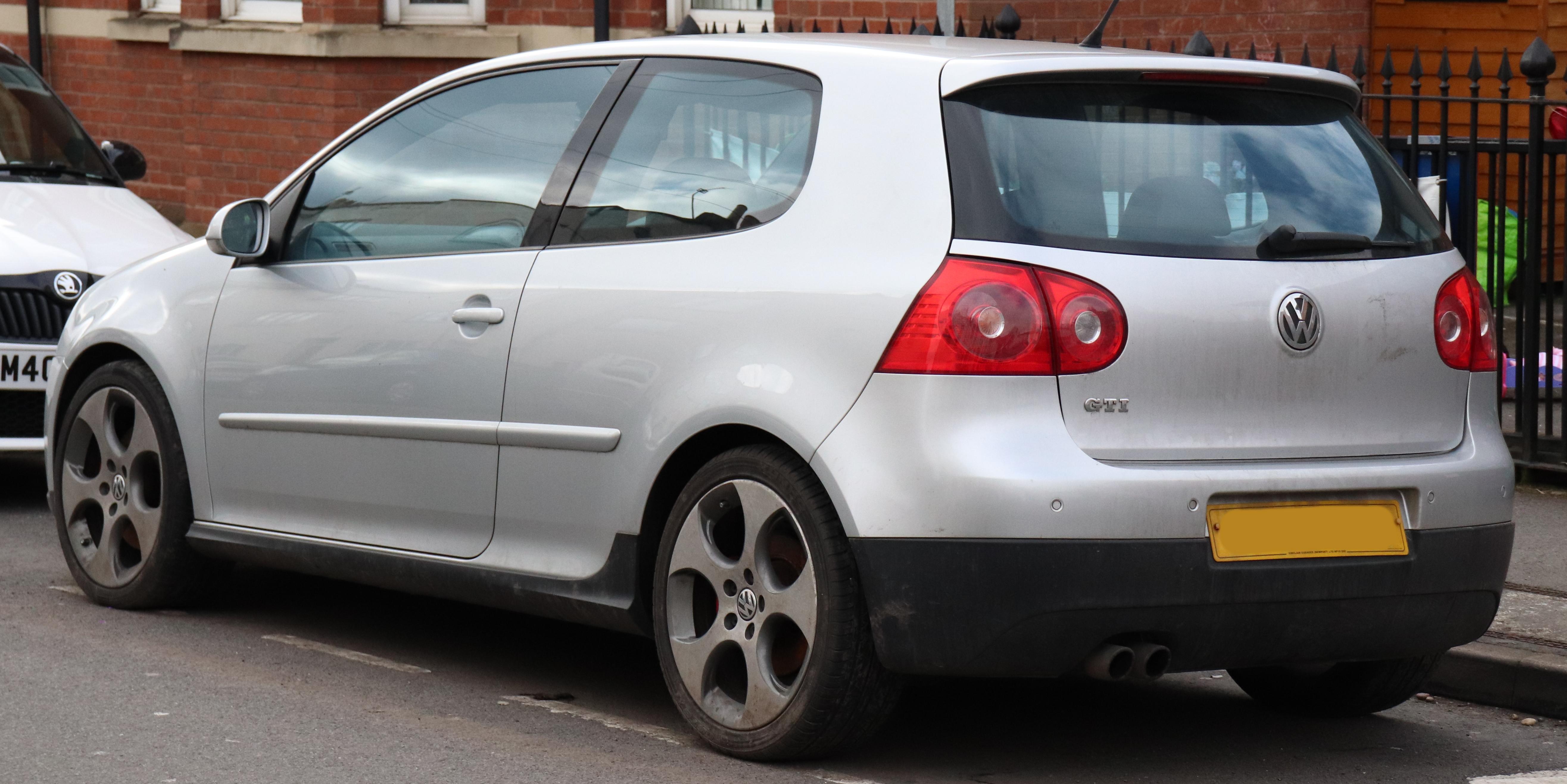 File:2005 Volkswagen Golf GTi 2.0 Rear