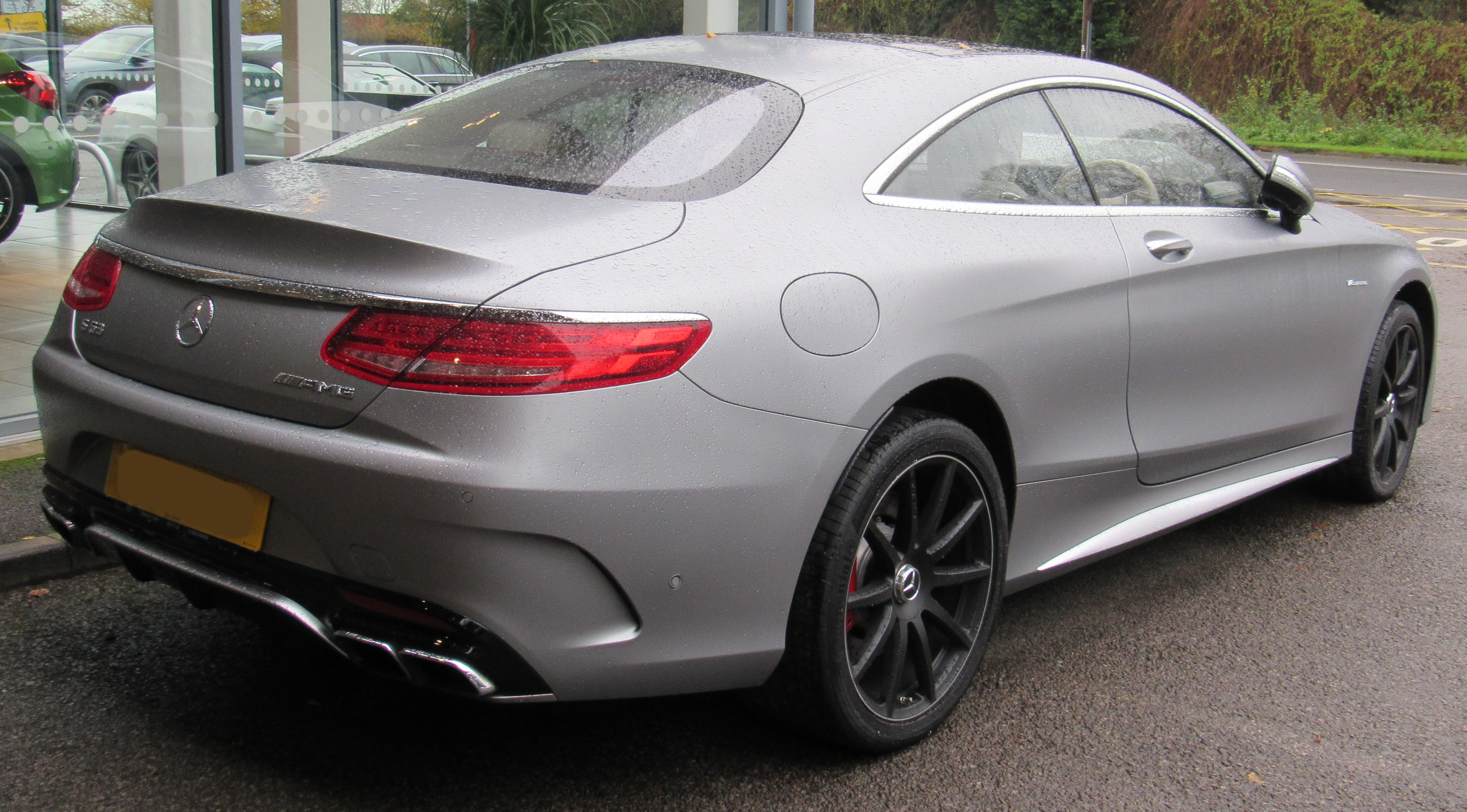 https://upload.wikimedia.org/wikipedia/commons/1/14/2015_Mercedes-Benz_S63_AMG_Coupe_Automatic_5.5_Rear.jpg