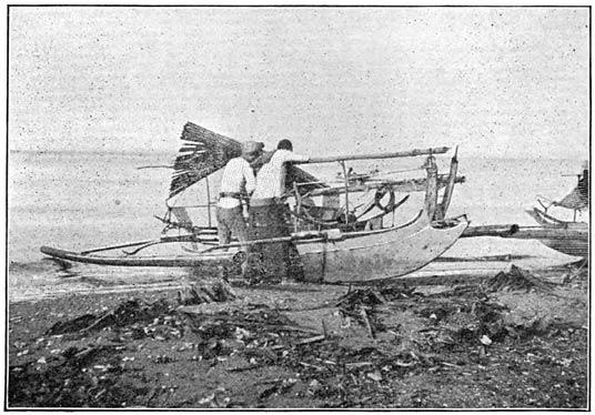 A_Moro_vinta_outrigger_canoe.jpg