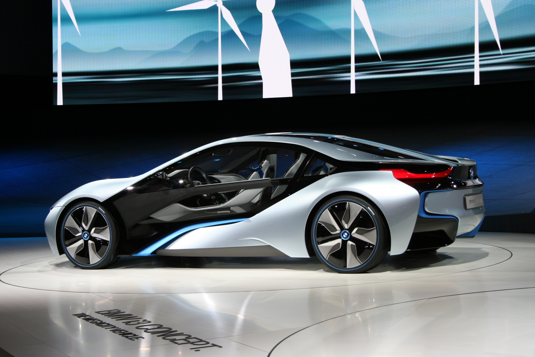 File Bmw I8 Concept Iaa Side Jpg Wikimedia Commons