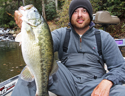 File big bass louie bartenfield for Carters lake fishing report