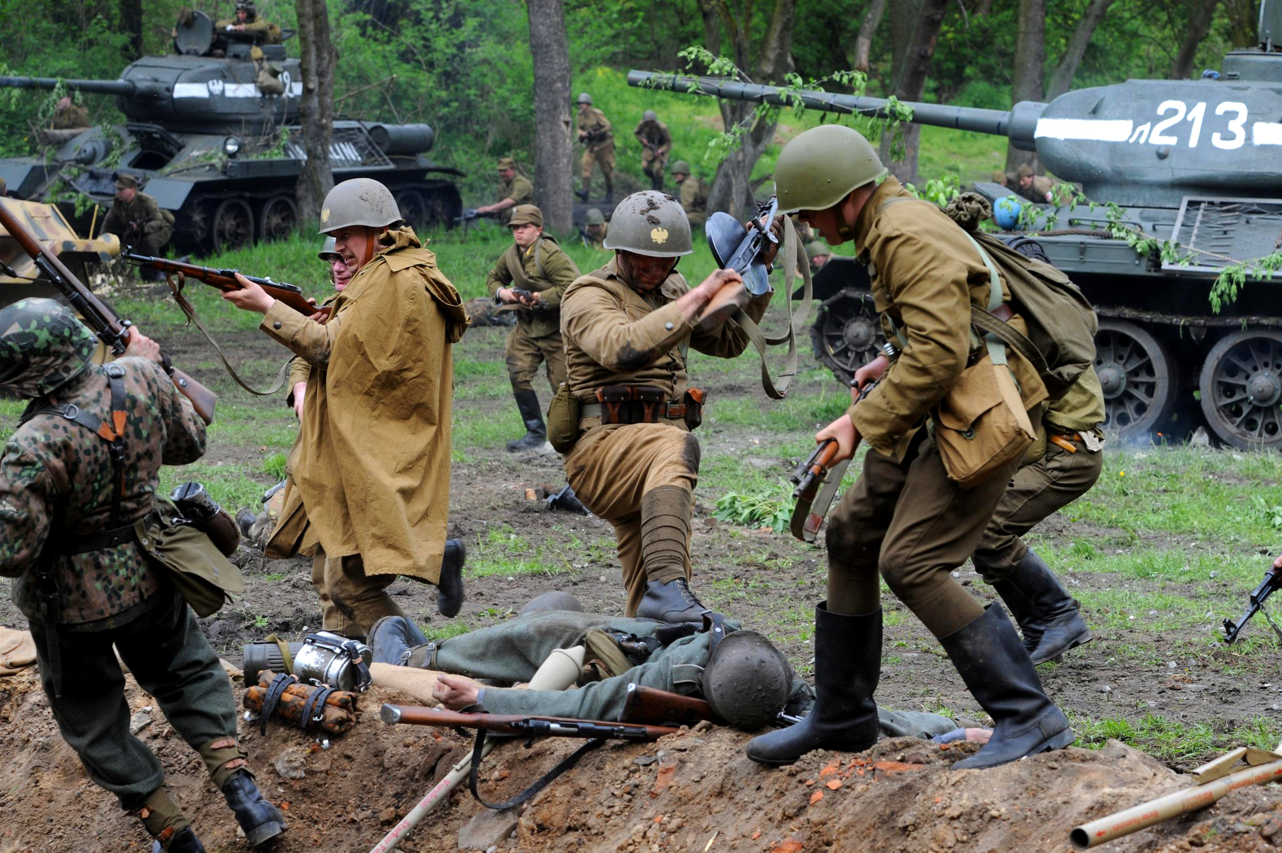 World War II reenactment - Wikipedia