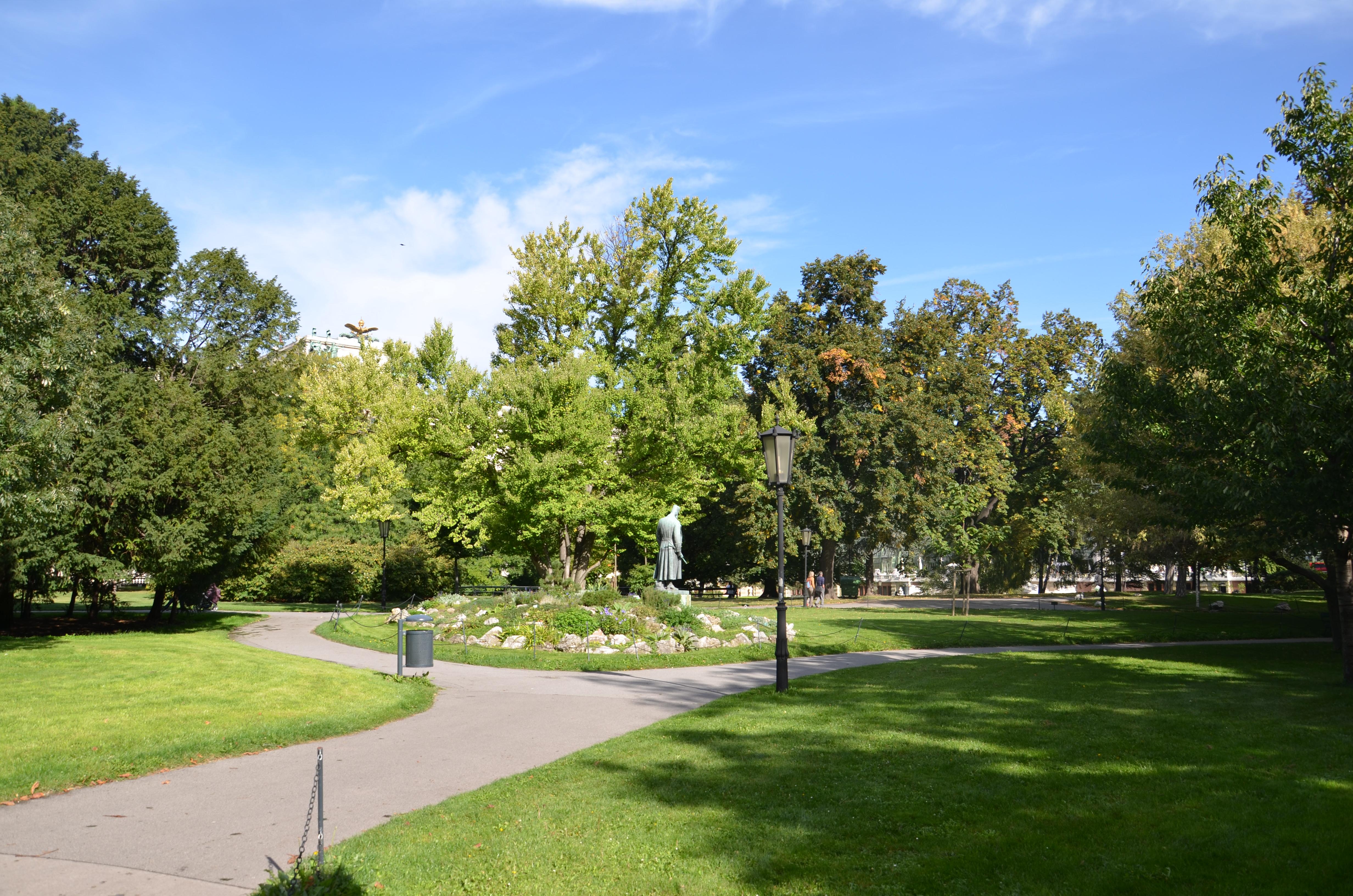 Burggarten 7.JPG