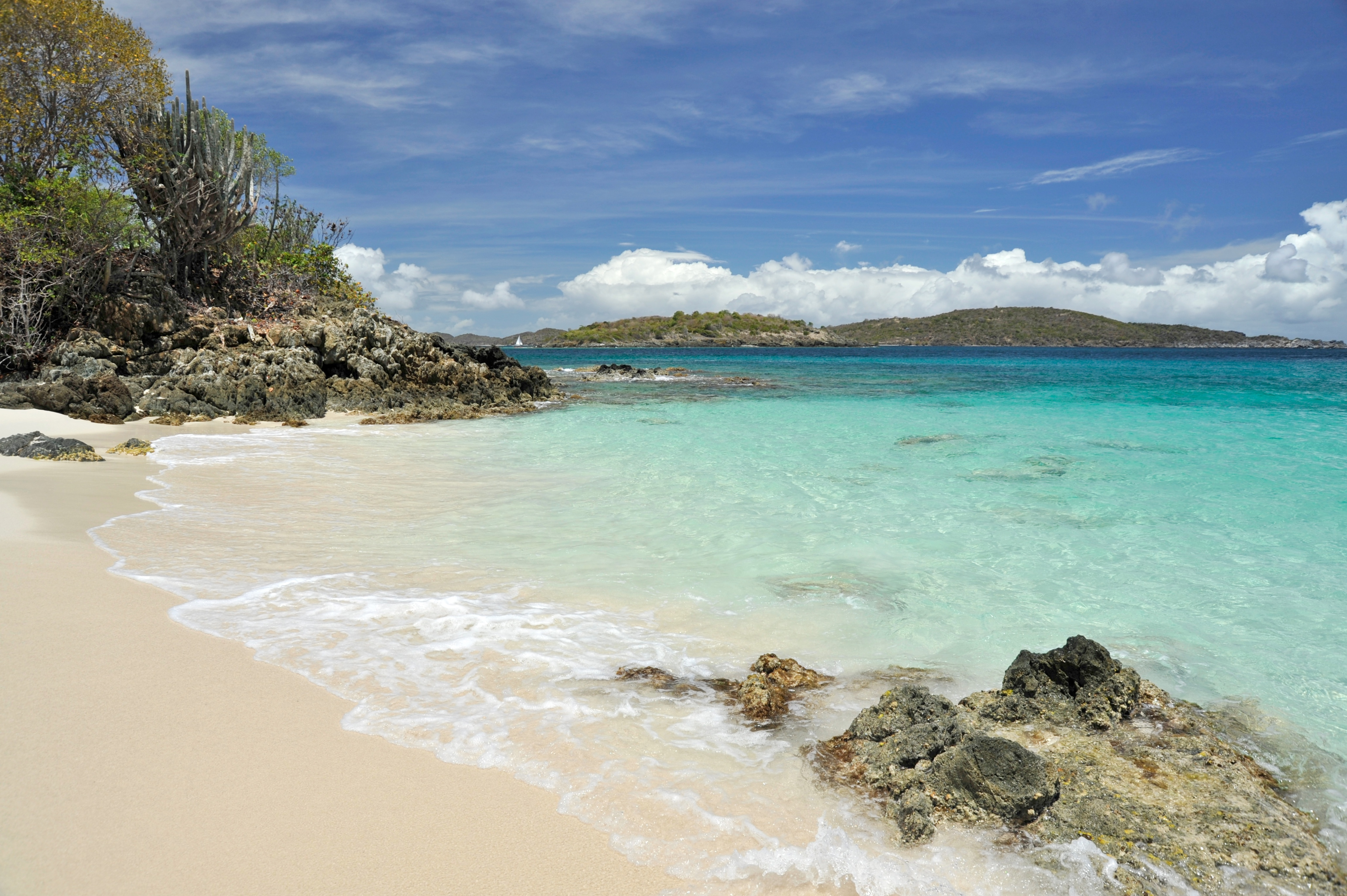 English: Turtle Bay Beach at Caneel Bay.