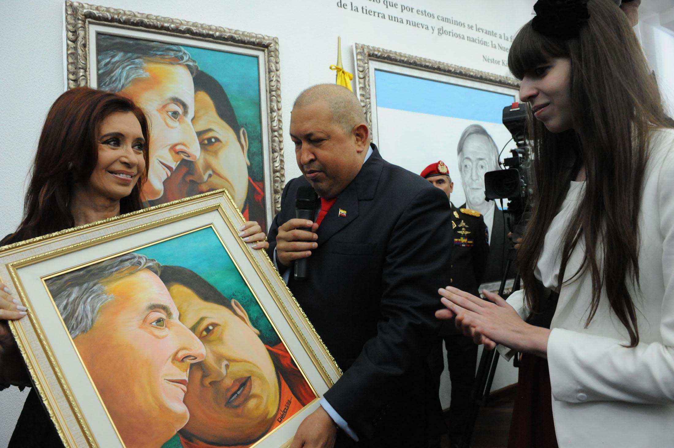 File:Cristina Fernández De Kirchner Y Hugo Chávez Salón