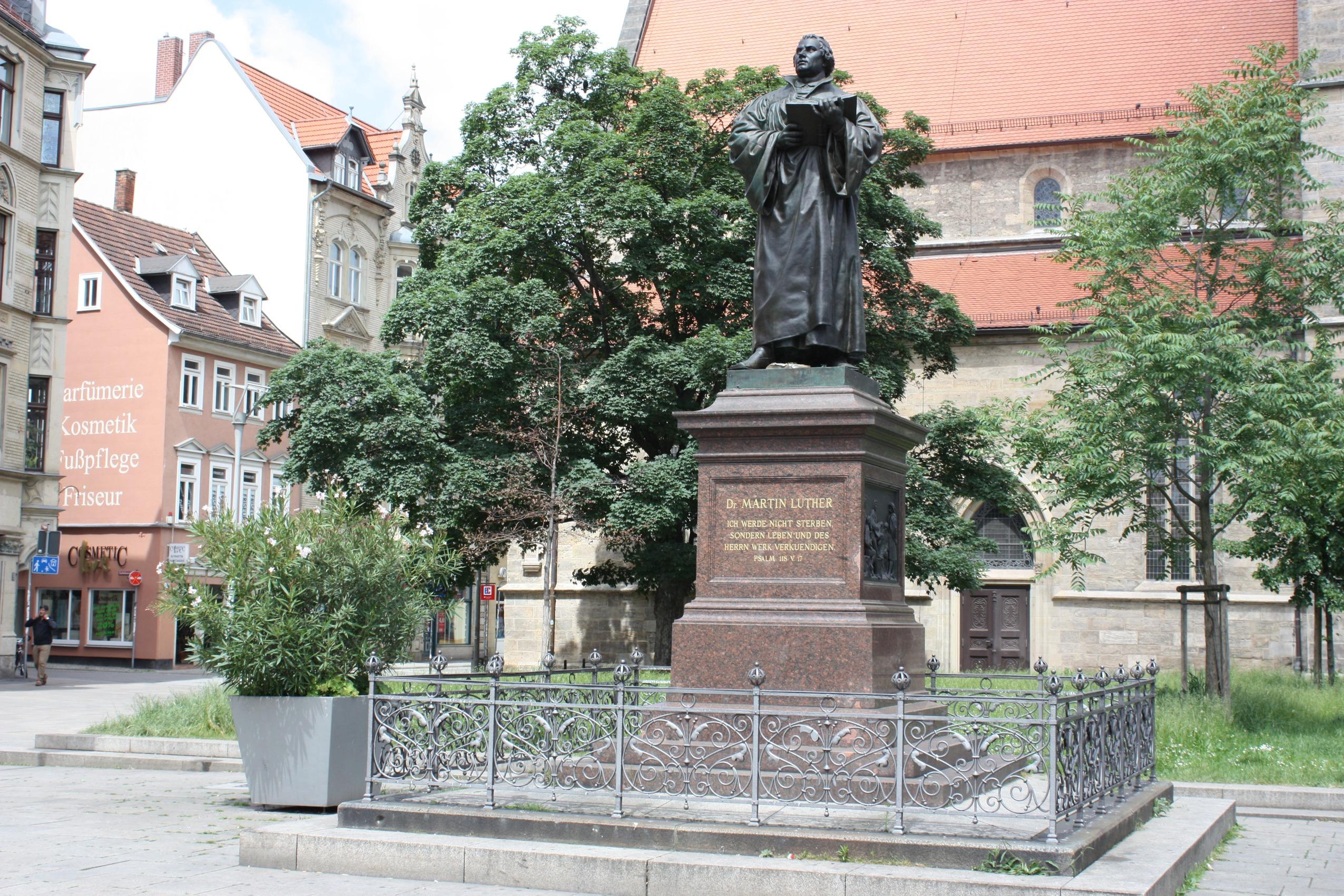 Filedas Lutherdenkmal Auf Dem Angerjpg Wikimedia Commons