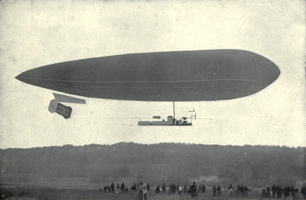 EB1911 Aeronautics Fig 1. -Clement-Bayard Dirigible.png