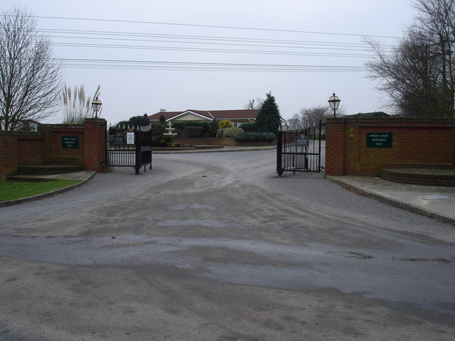 Entrance to Priory Court - geograph.org.uk - 1099017