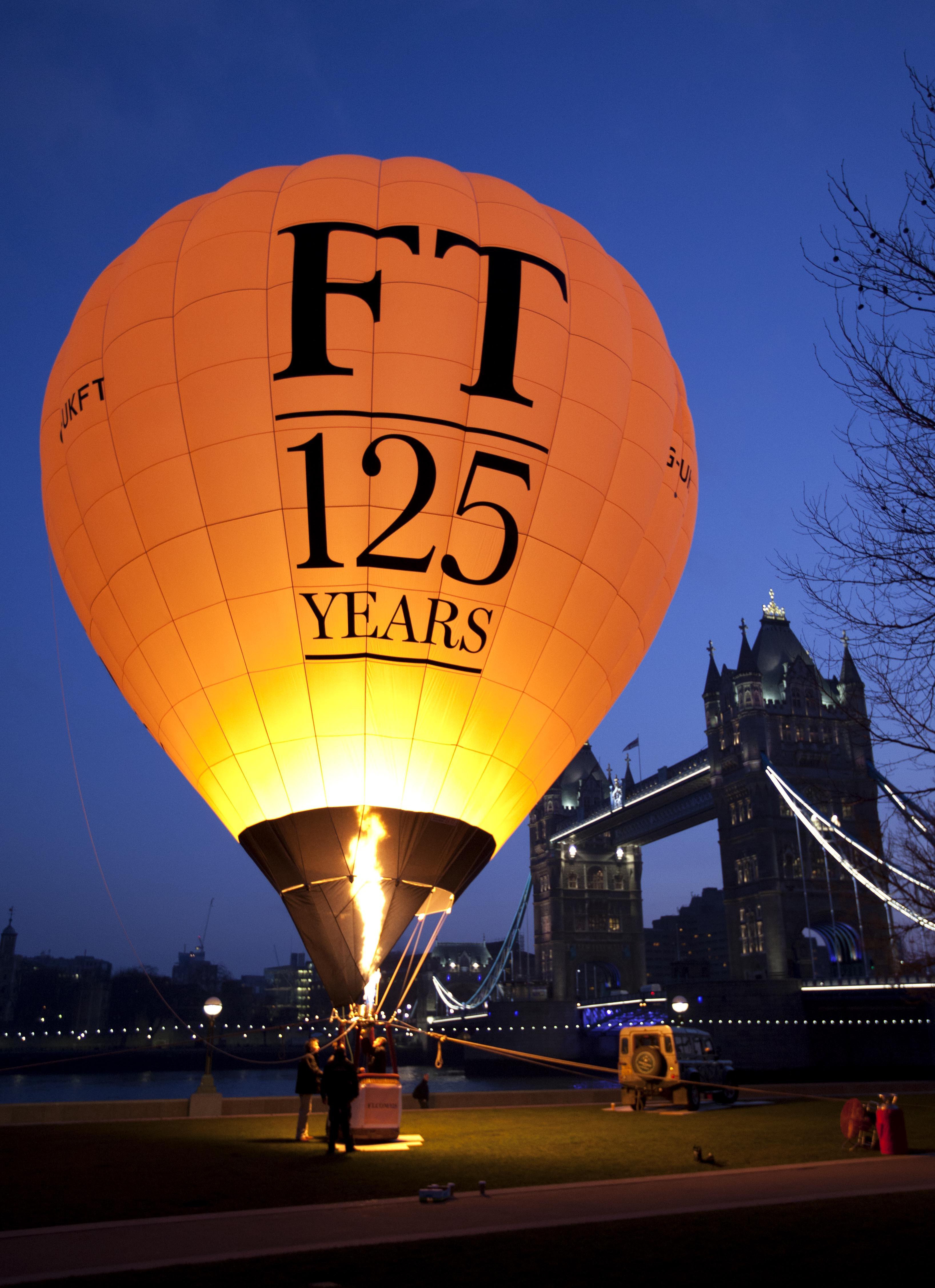 http://upload.wikimedia.org/wikipedia/commons/1/14/FT_125th_Balloon_(8473467462).jpg