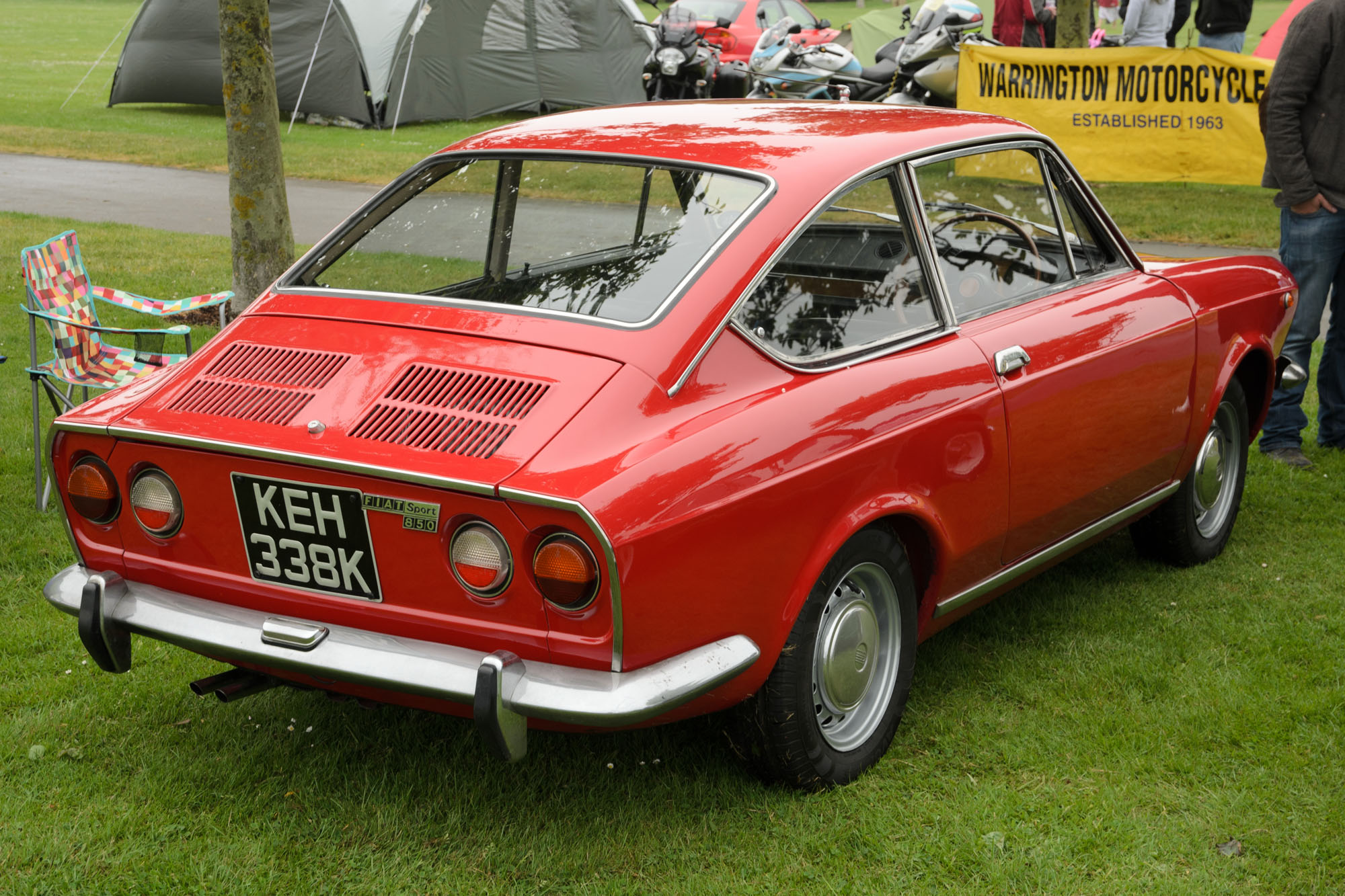 file fiat 850 sport coupe 1971 jpg wikimedia commons. Black Bedroom Furniture Sets. Home Design Ideas
