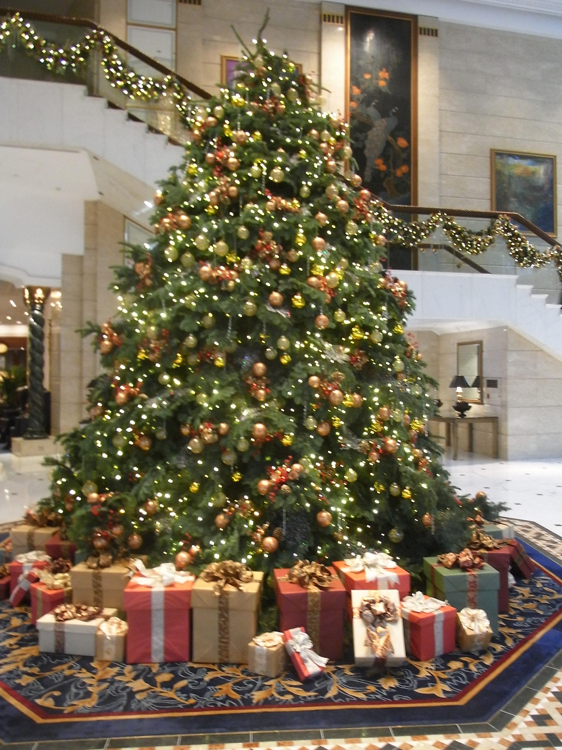 #976234 File:HK ISL Island Shangri La Hong Kong 港島香格里拉酒店 Hotel  6433 décoration noel hotel 1944x2592 px @ aertt.com